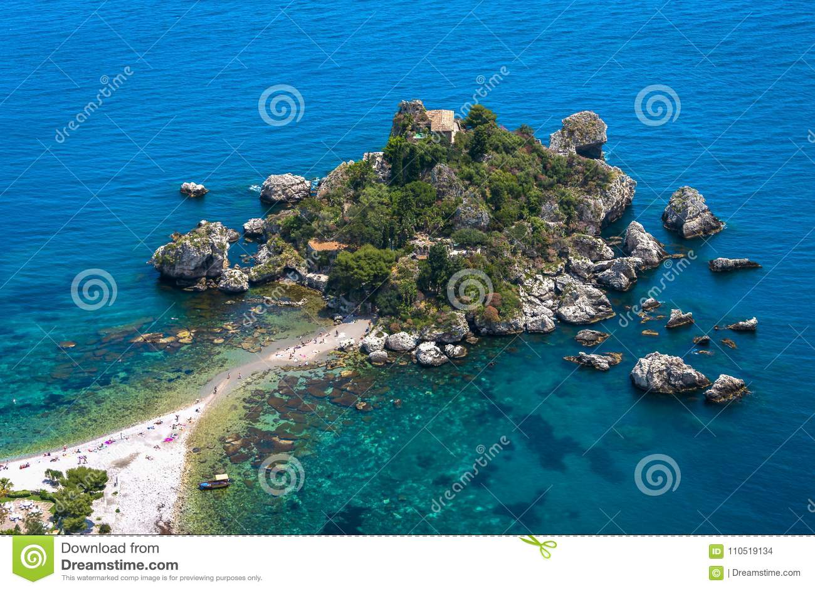 Jour ensoleillé chez Isola Bella In Taormina, la Sicile
