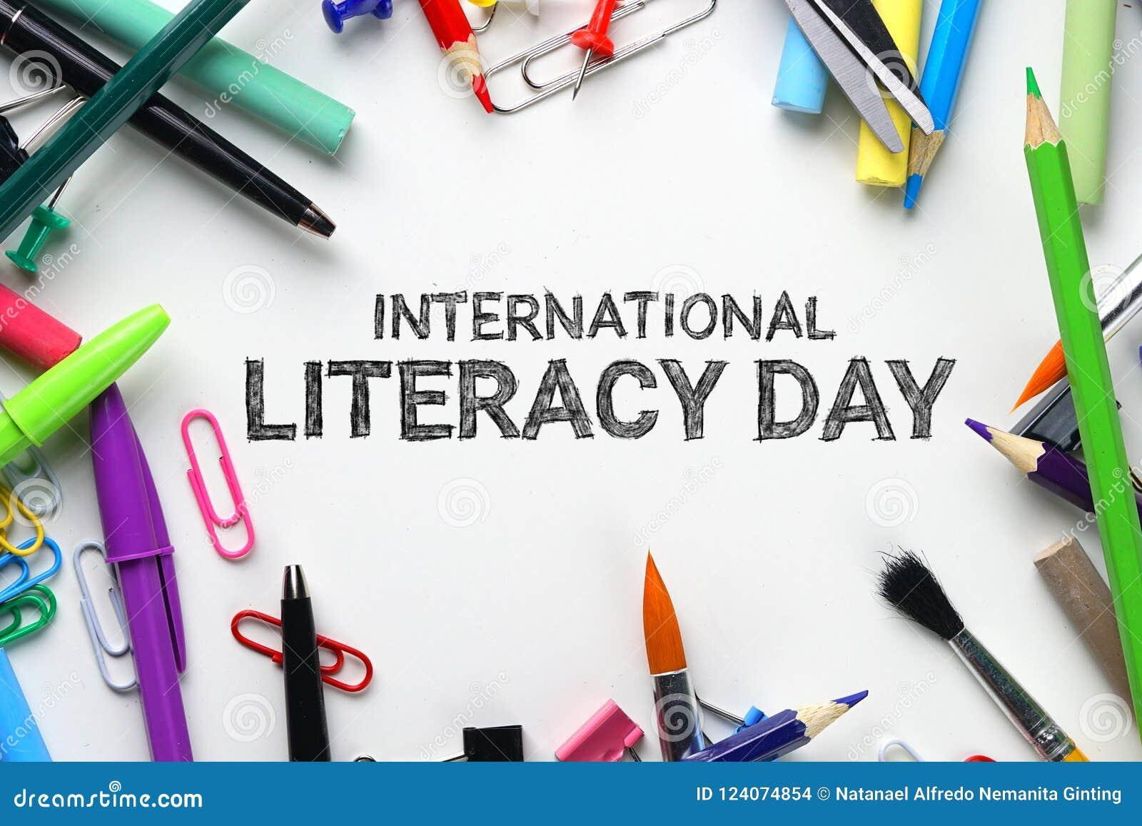 Jour international d instruction Vue supérieure stationnaire d école