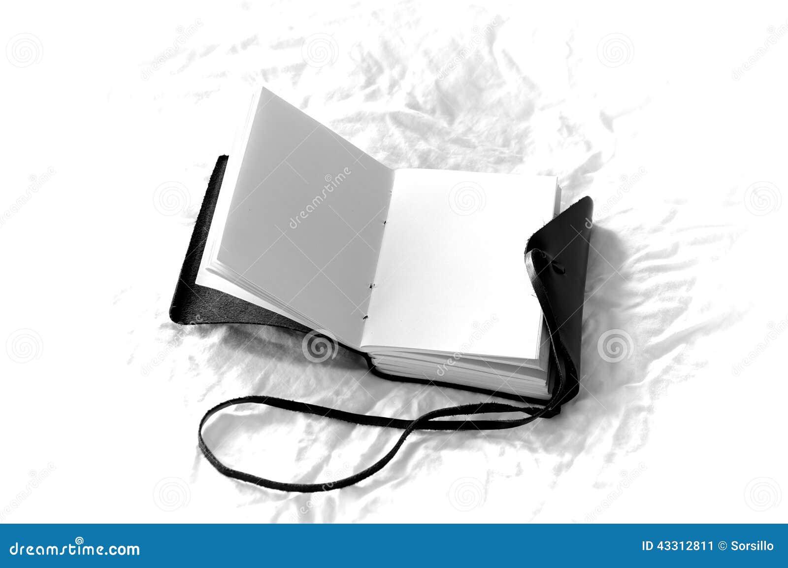 Journal vide noir et blanc romantique photo stock image 43312811 - Photo romantique noir et blanc ...