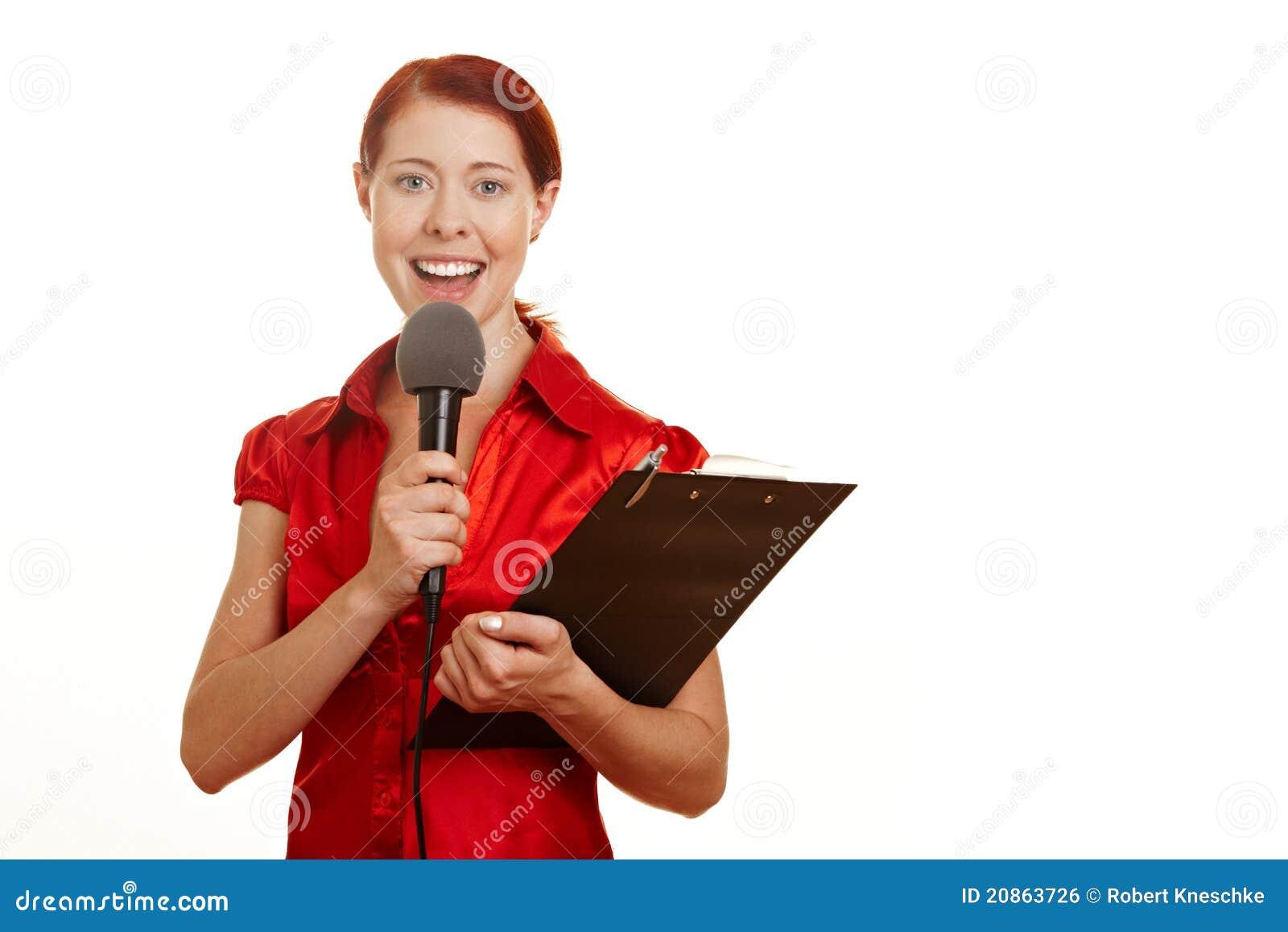 Journalista com microfone