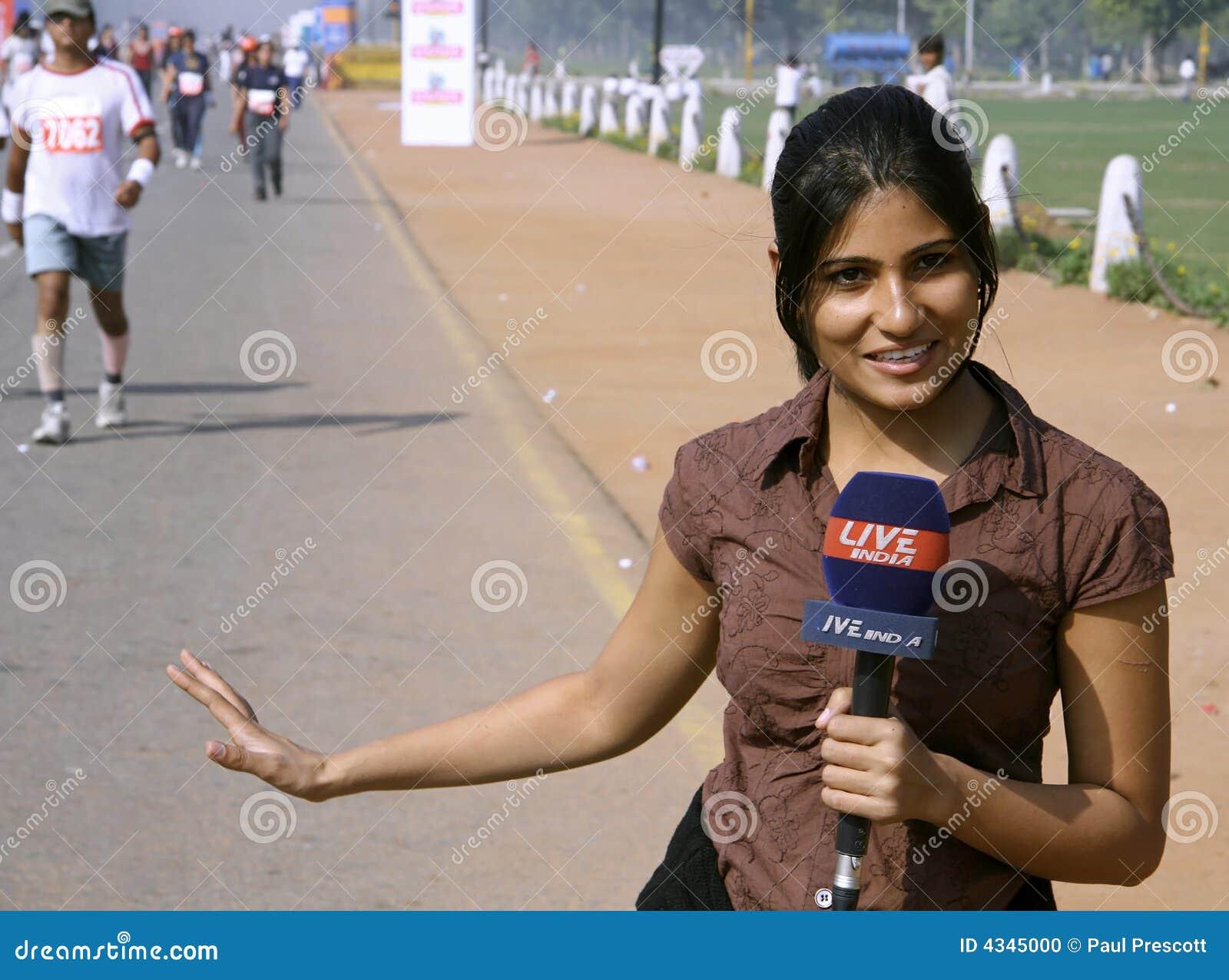 Journalista fêmea novo