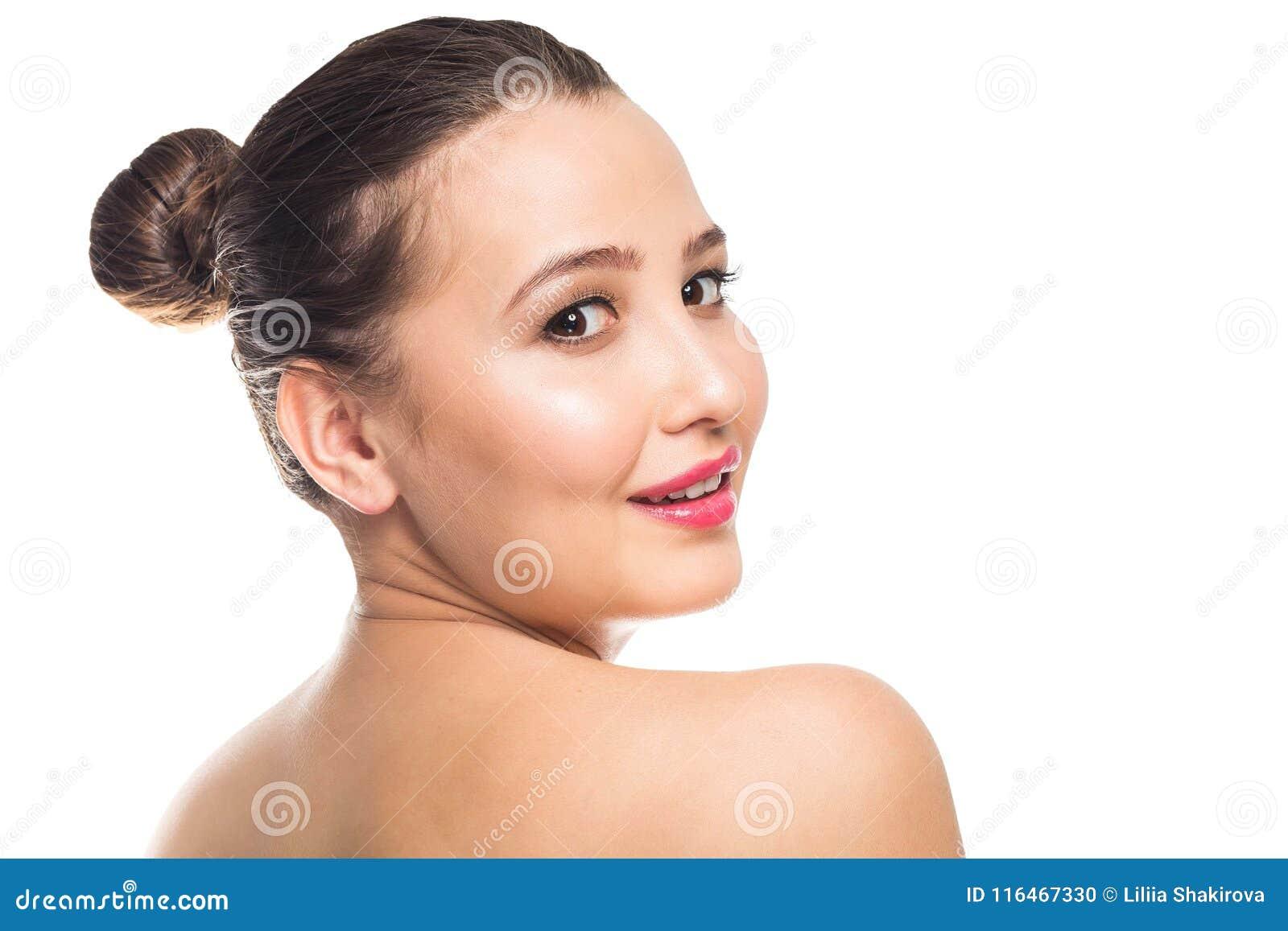 Jovem Mulher Bonita Com Pele Perfeita Limpa O Retrato Do Modelo Da