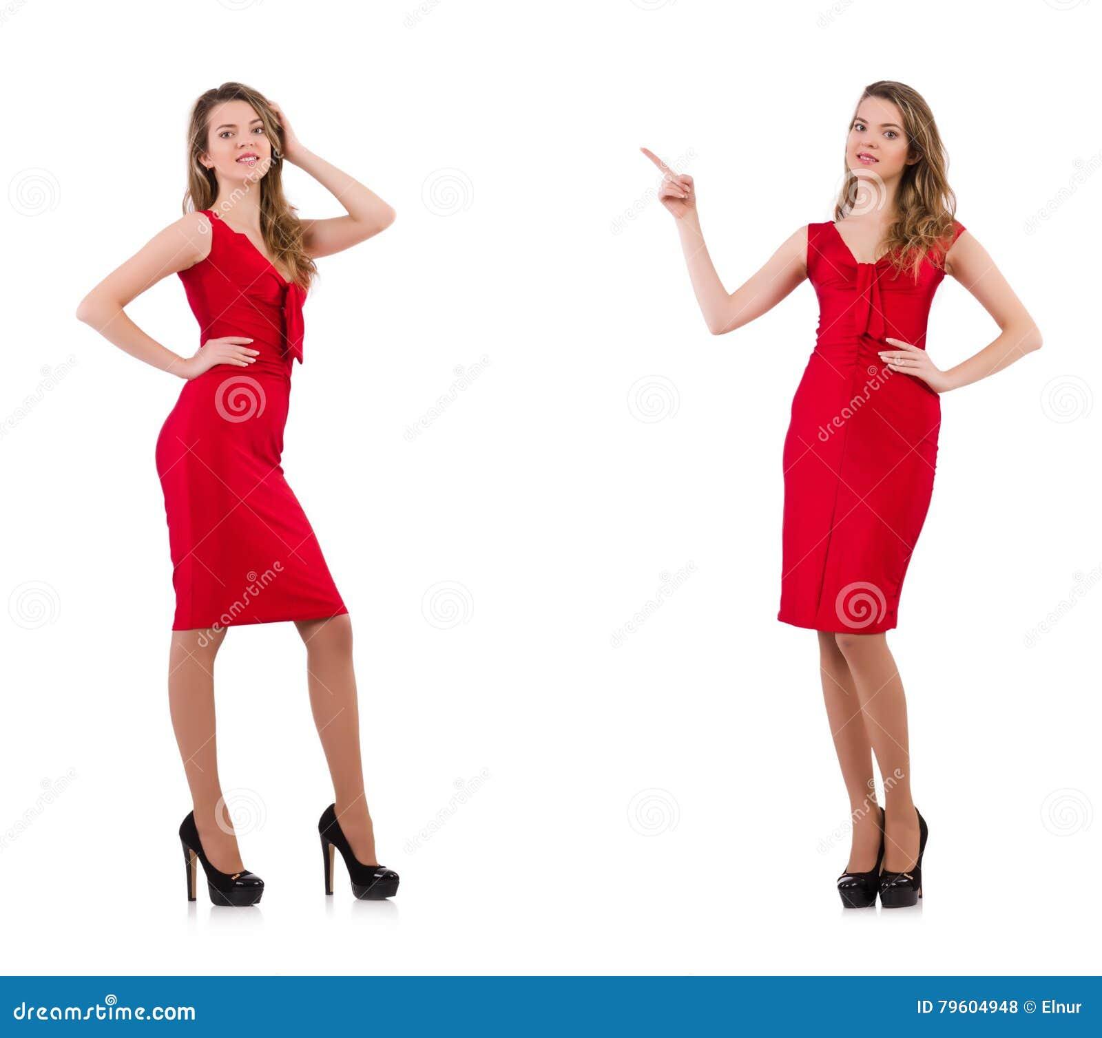 A jovem mulher no vestido vermelho isolado no branco