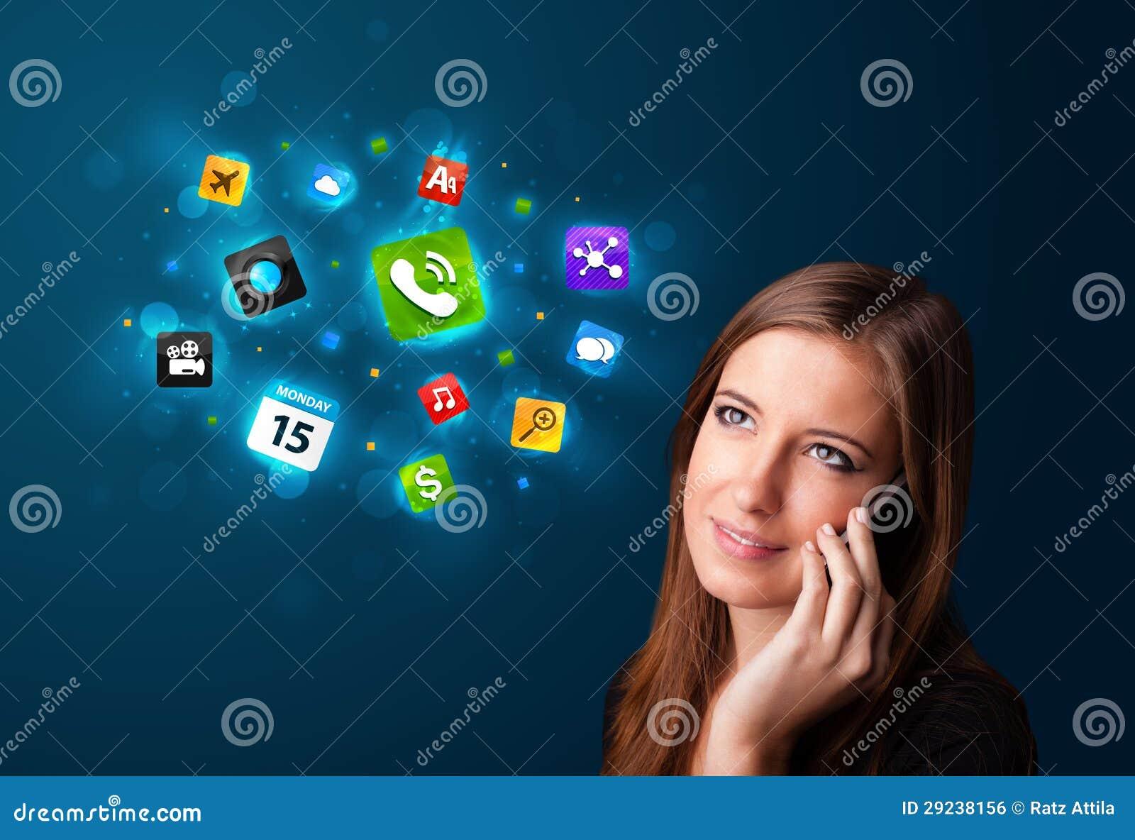 Download Jovem Mulher Que Chama Pelo Telefone Com Vários ícones Foto de Stock - Imagem de globo, menu: 29238156