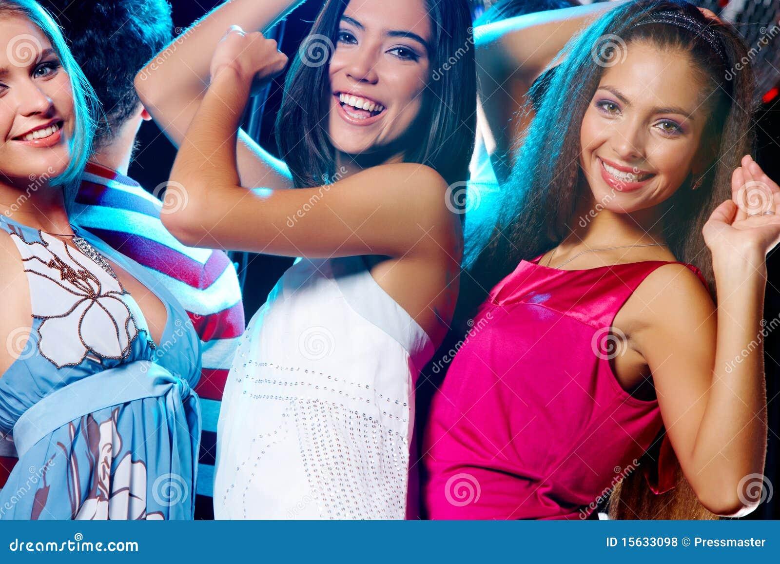 Русские девки на дискотеках 6 фотография