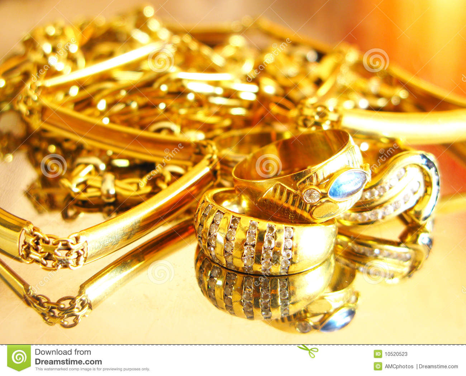 Joyas del oro fotos de archivo imagen 10520523 for Disenos de joyas en oro