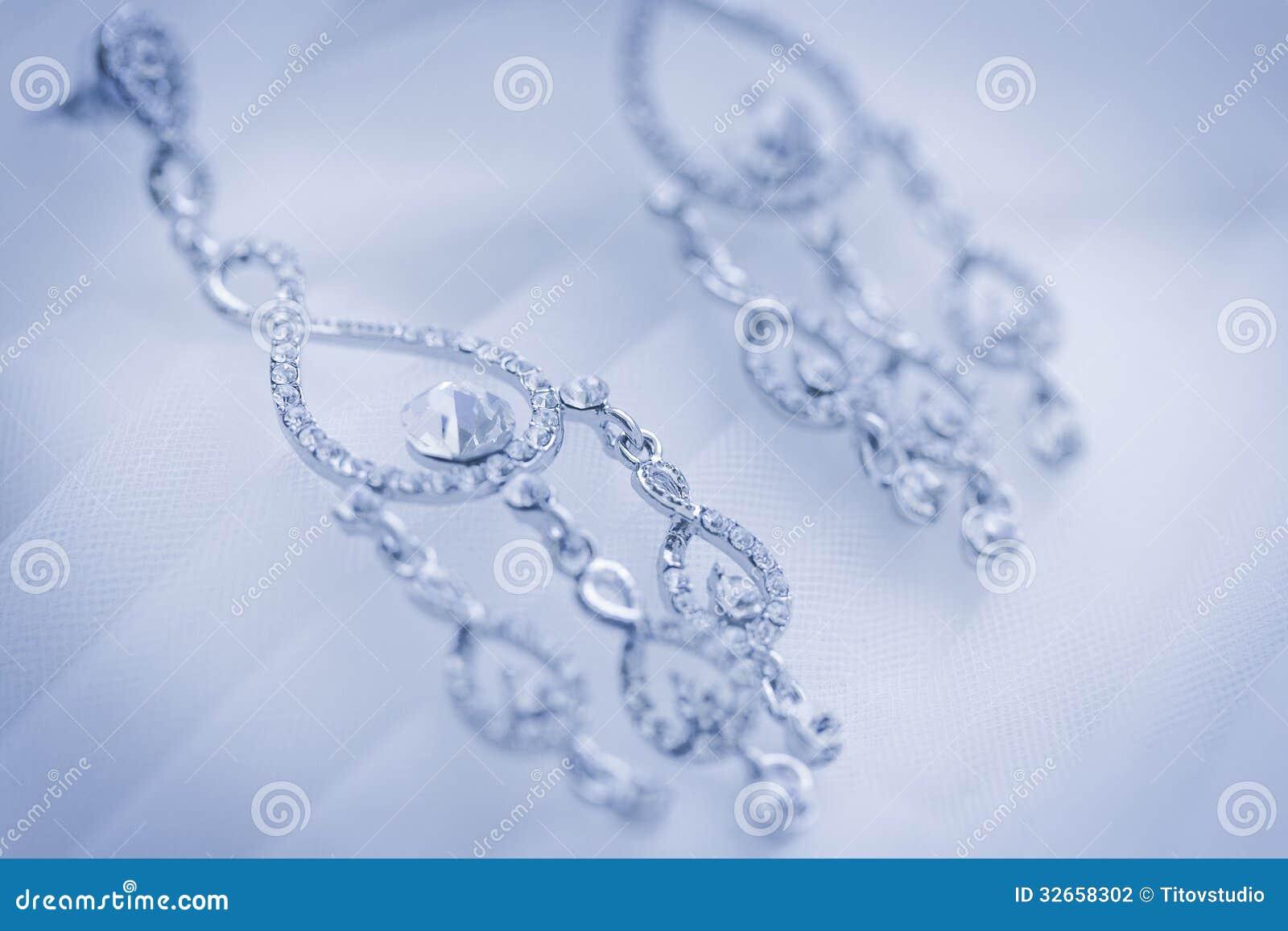 La joyería del vestido de boda