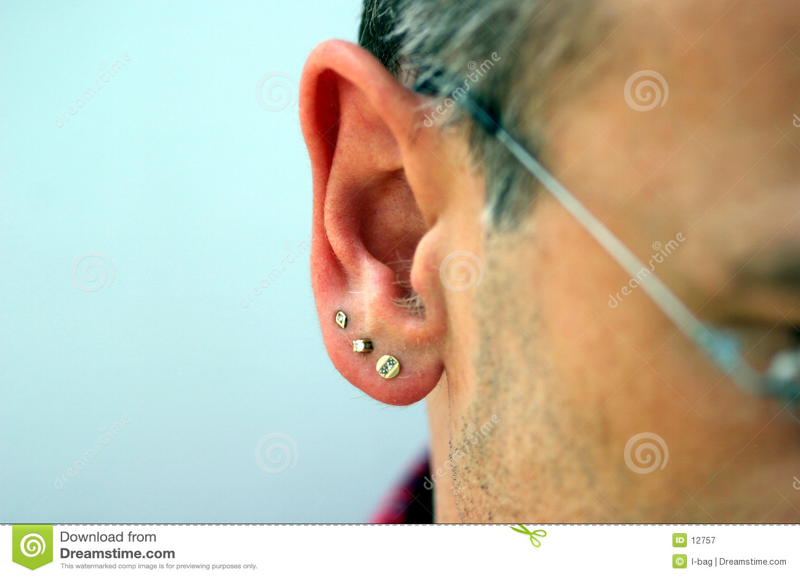 Joyería masculina del oído