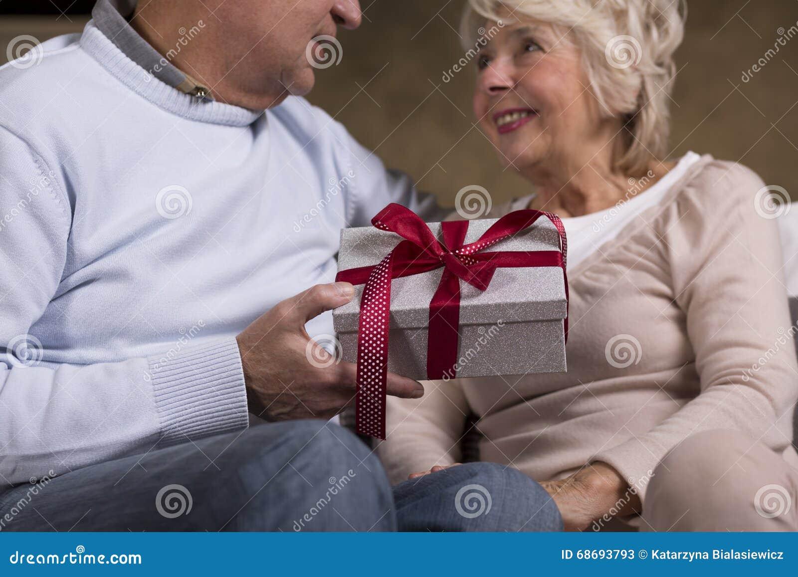 Joyeux Anniversaire Chouchou Image Stock Image Du Cadre Amour