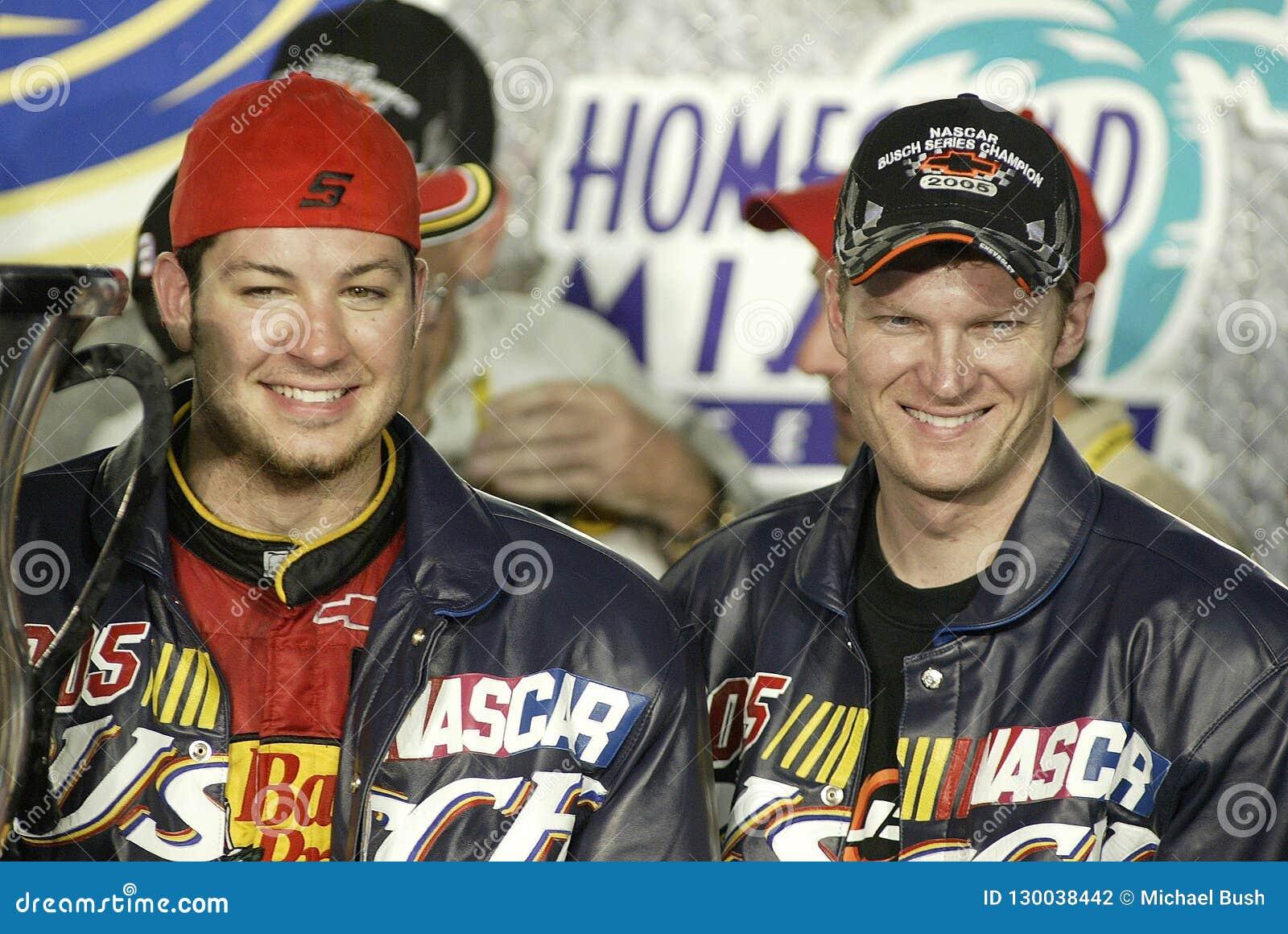 JR de Dale Earnhardt del programa piloto de NASCAR