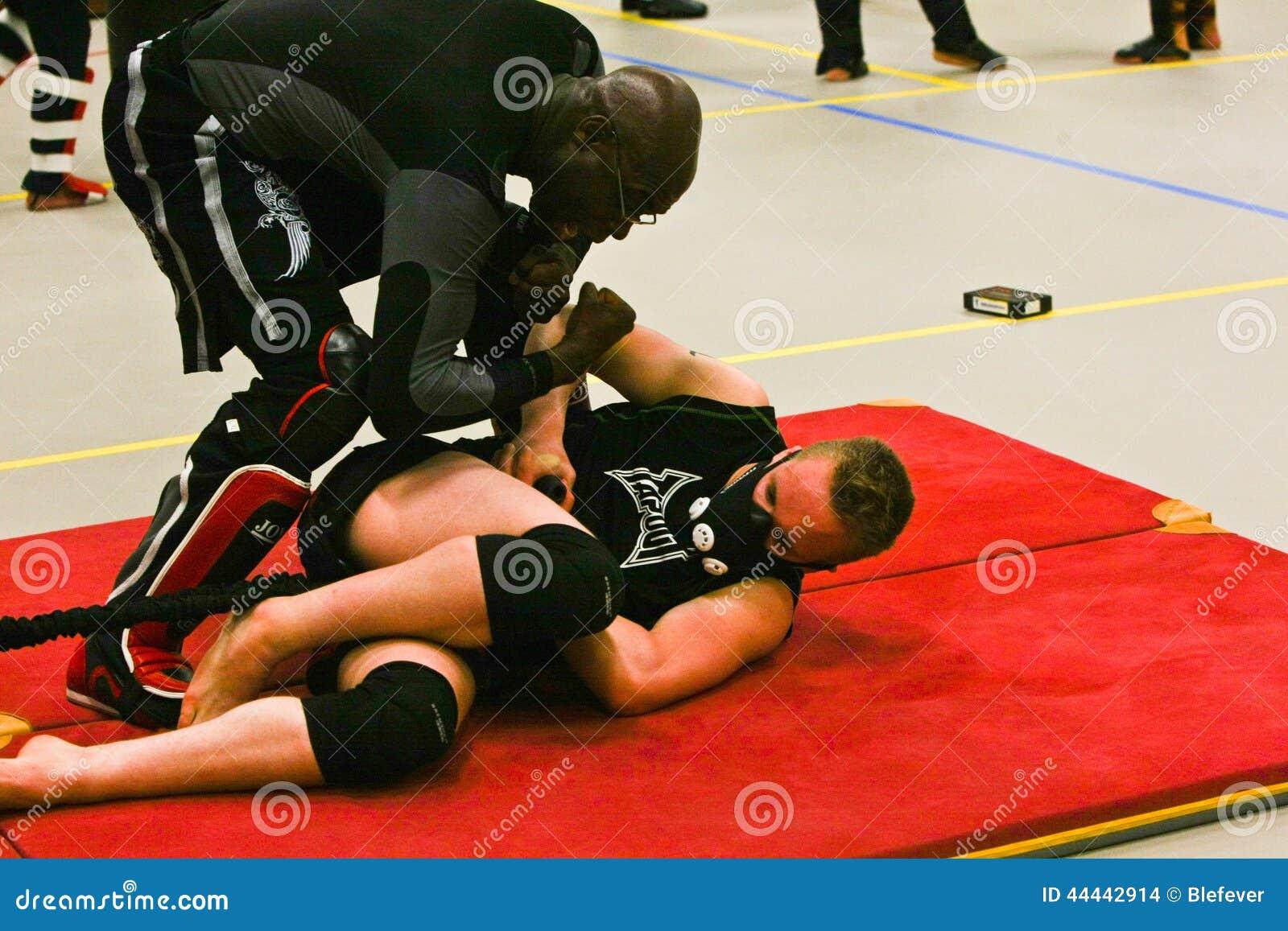Judoka training with HPVT mask