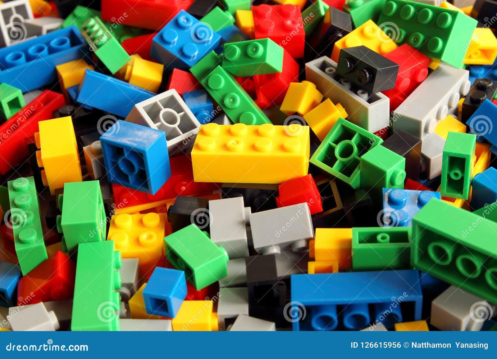 Juega las unidades de creación, constructor plástico colorido para los niños