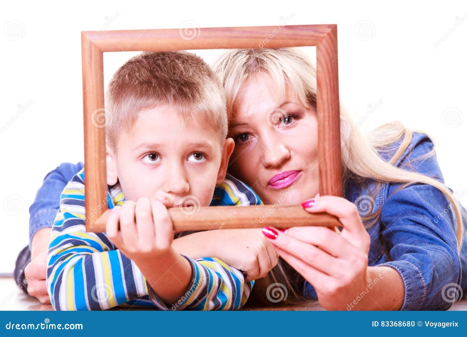 Juego De La Madre Y Del Hijo Con El Marco Vacío Foto de archivo ...