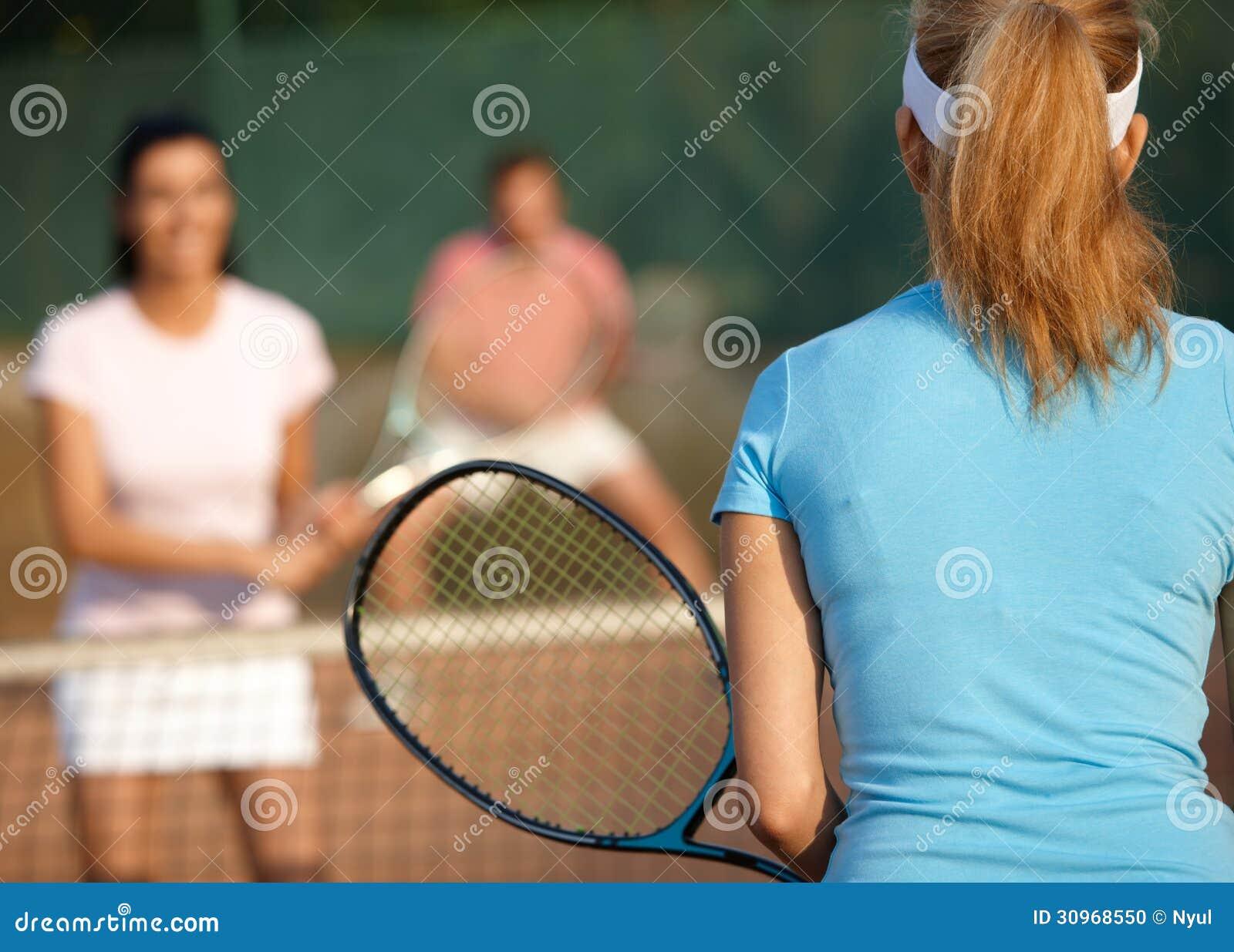 Juego del tenis de los dobles mezclados