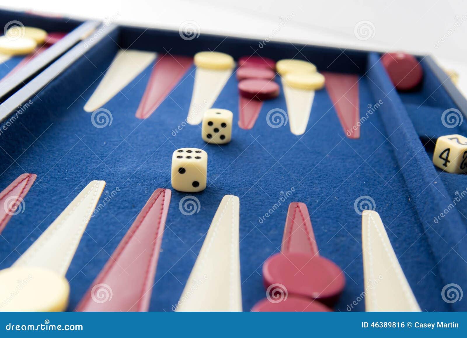 Juegos De Mesa Backgammon En Juego Foto De Archivo Imagen De