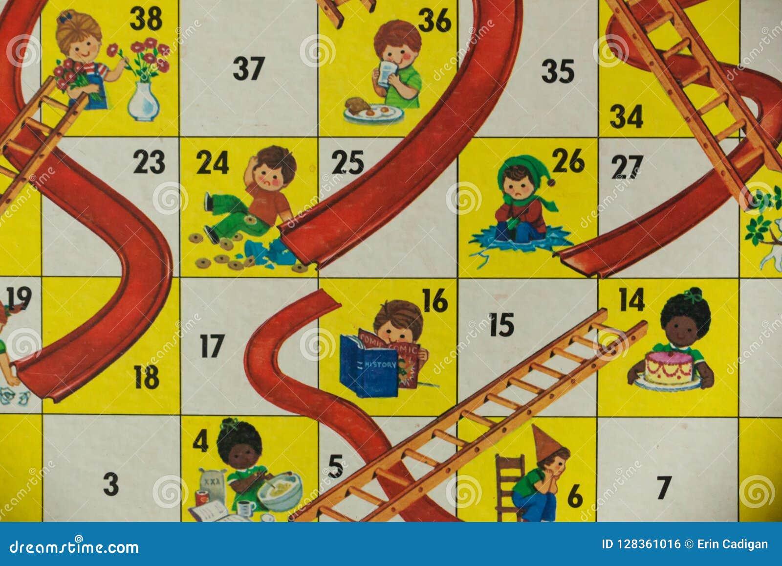 Juegos De Mesa De Los Anos 80 Canales Inclinados Y Escaleras Foto