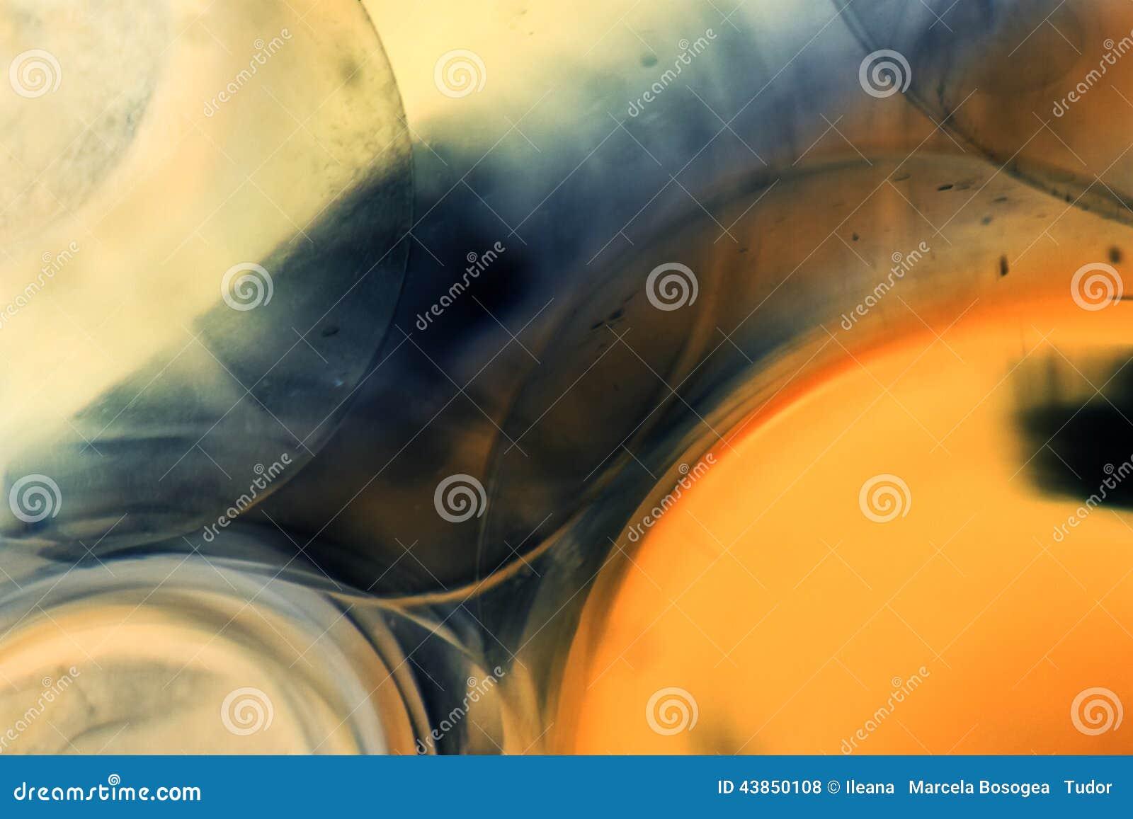 Juegos subacuáticos abstractos con las bolas, las burbujas y la luz de la jalea