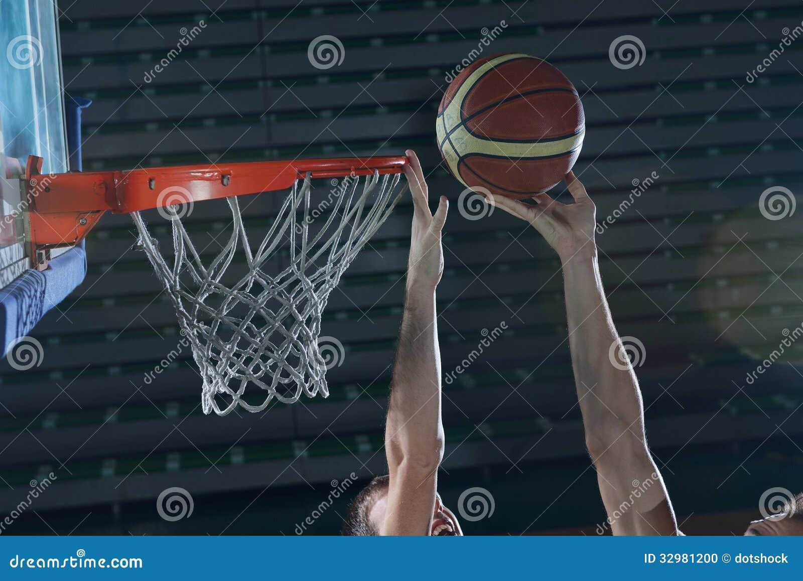 Jugador de básquet en la acción