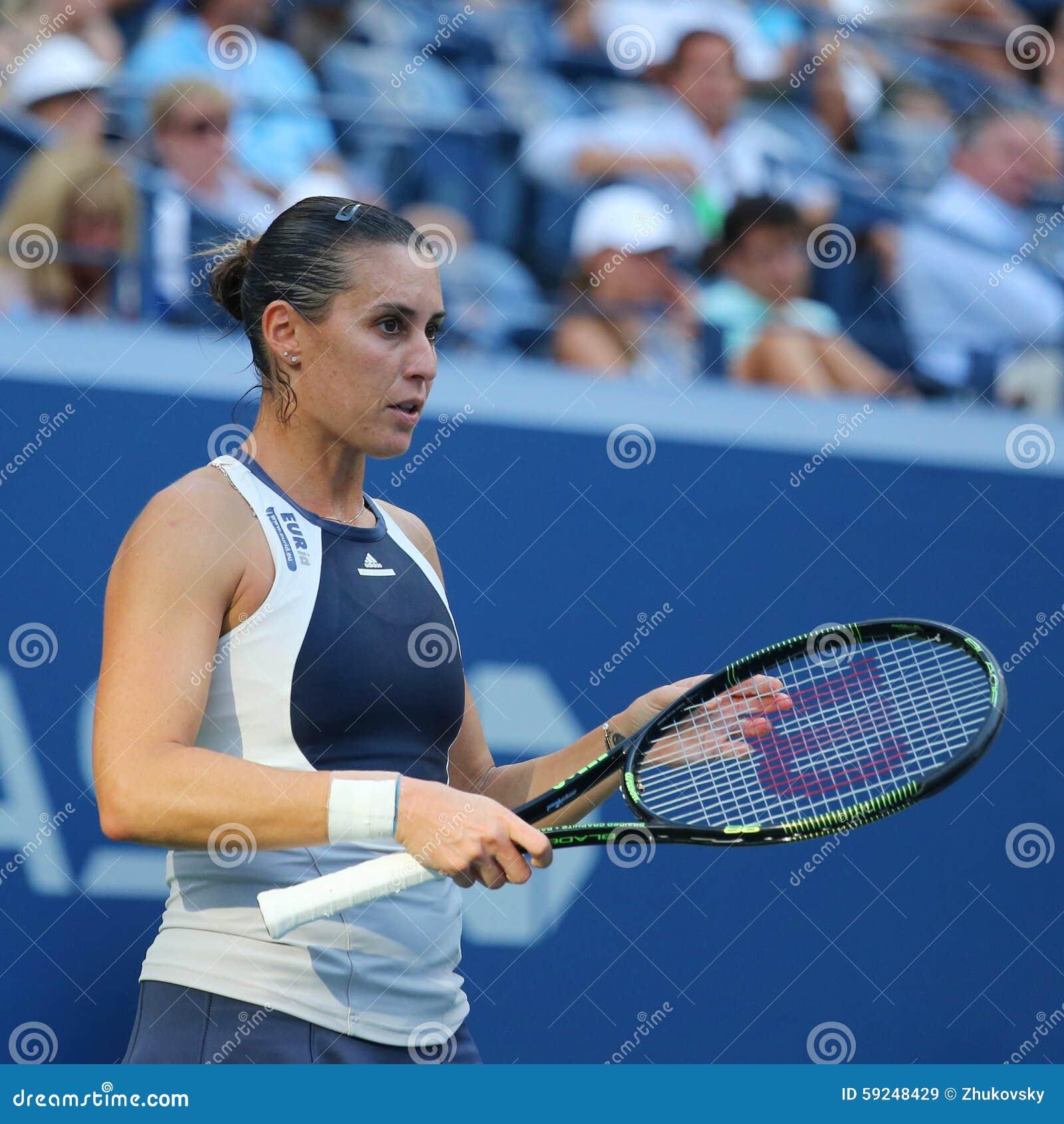 Jugador de tenis profesional Flavia Pennetta de Italia en la acción durante su partido final cuarto en el US Open 2015