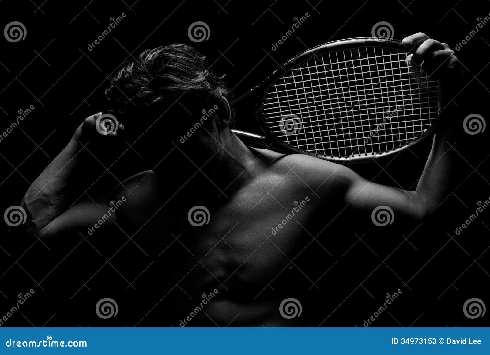Jugador de tenis sombreado