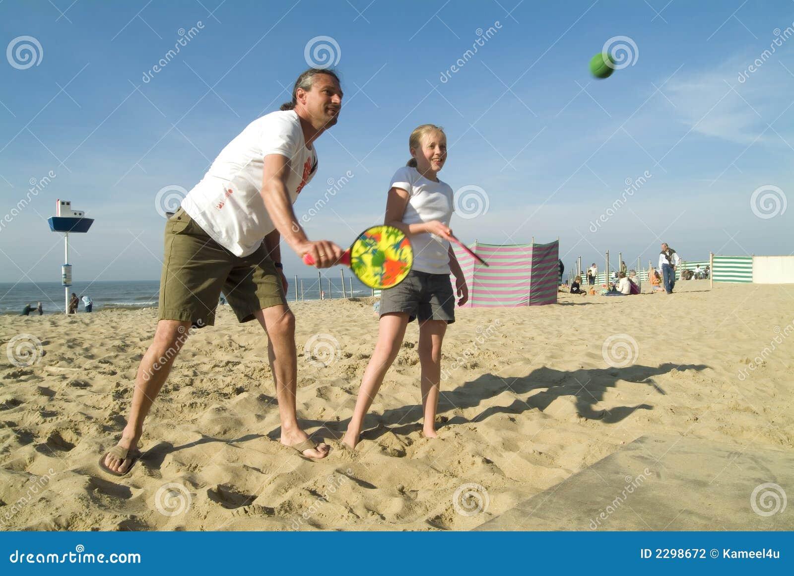 Jugar a un juego de bola