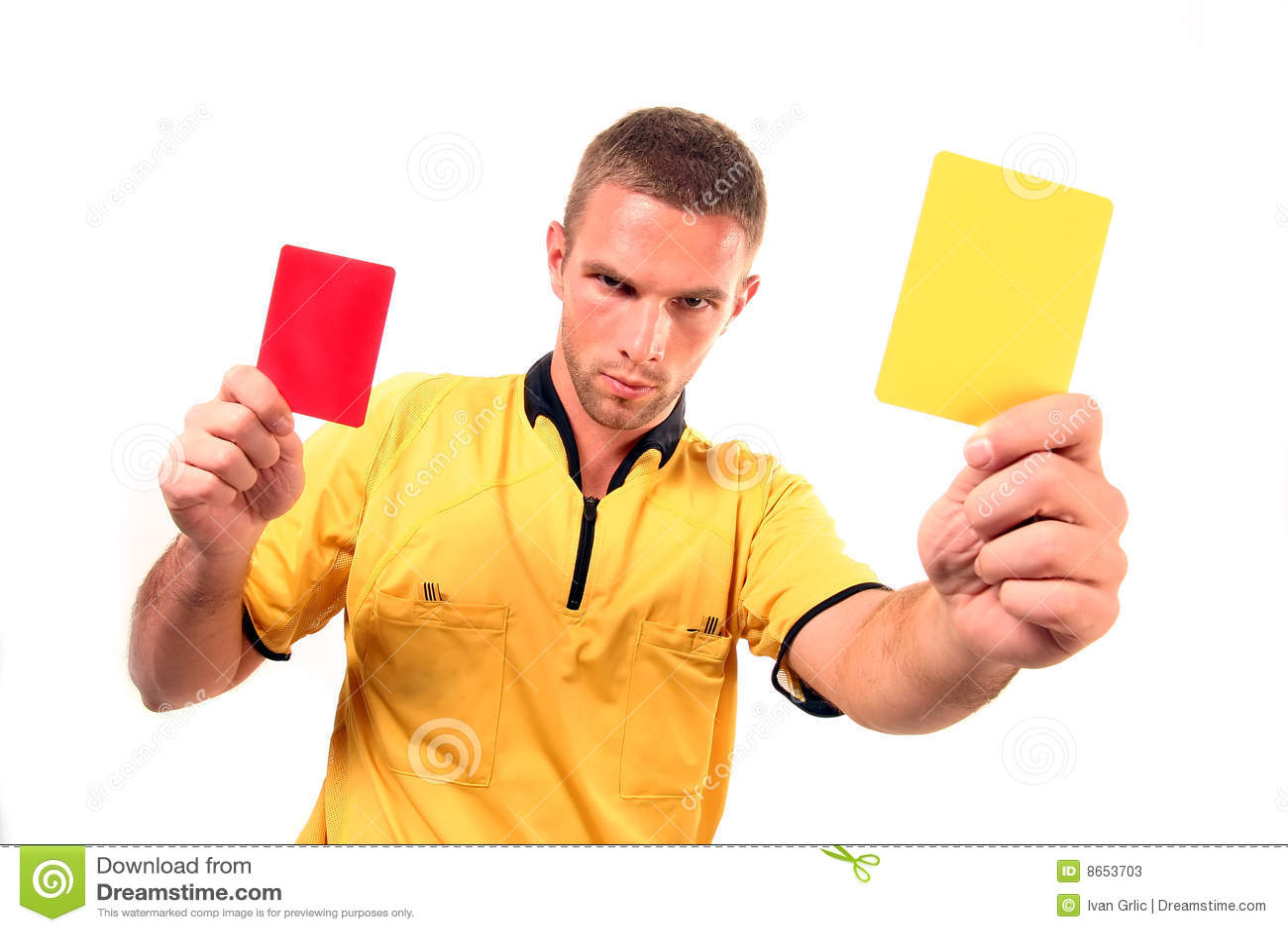Juge du football avec la carte