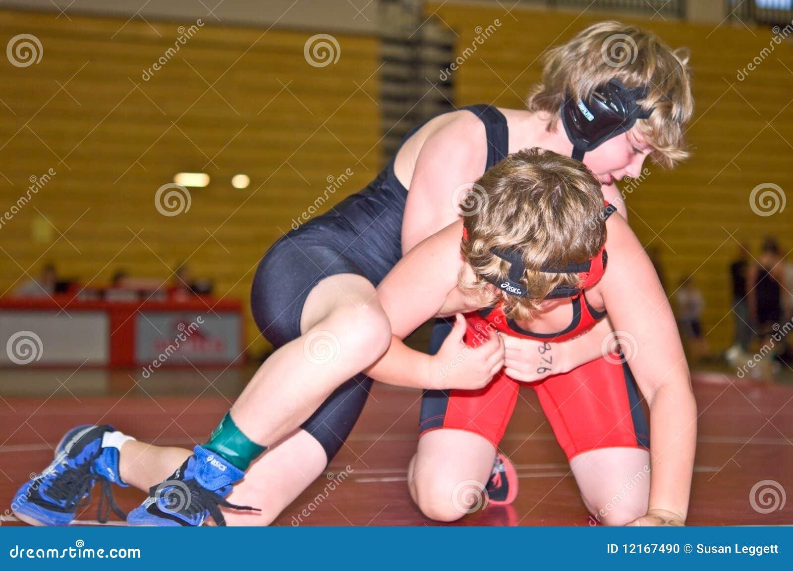 Jugend-Ringkämpfer im Turnier