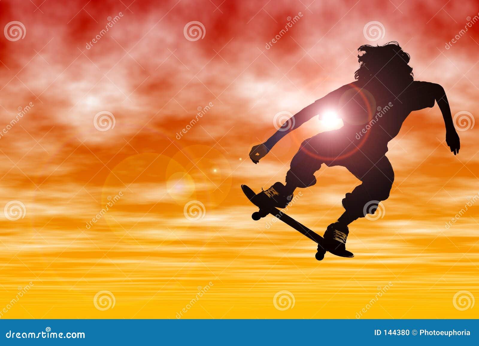 Jugendlich Jungen-Schattenbild mit dem Skateboard, das am Sonnenuntergang springt