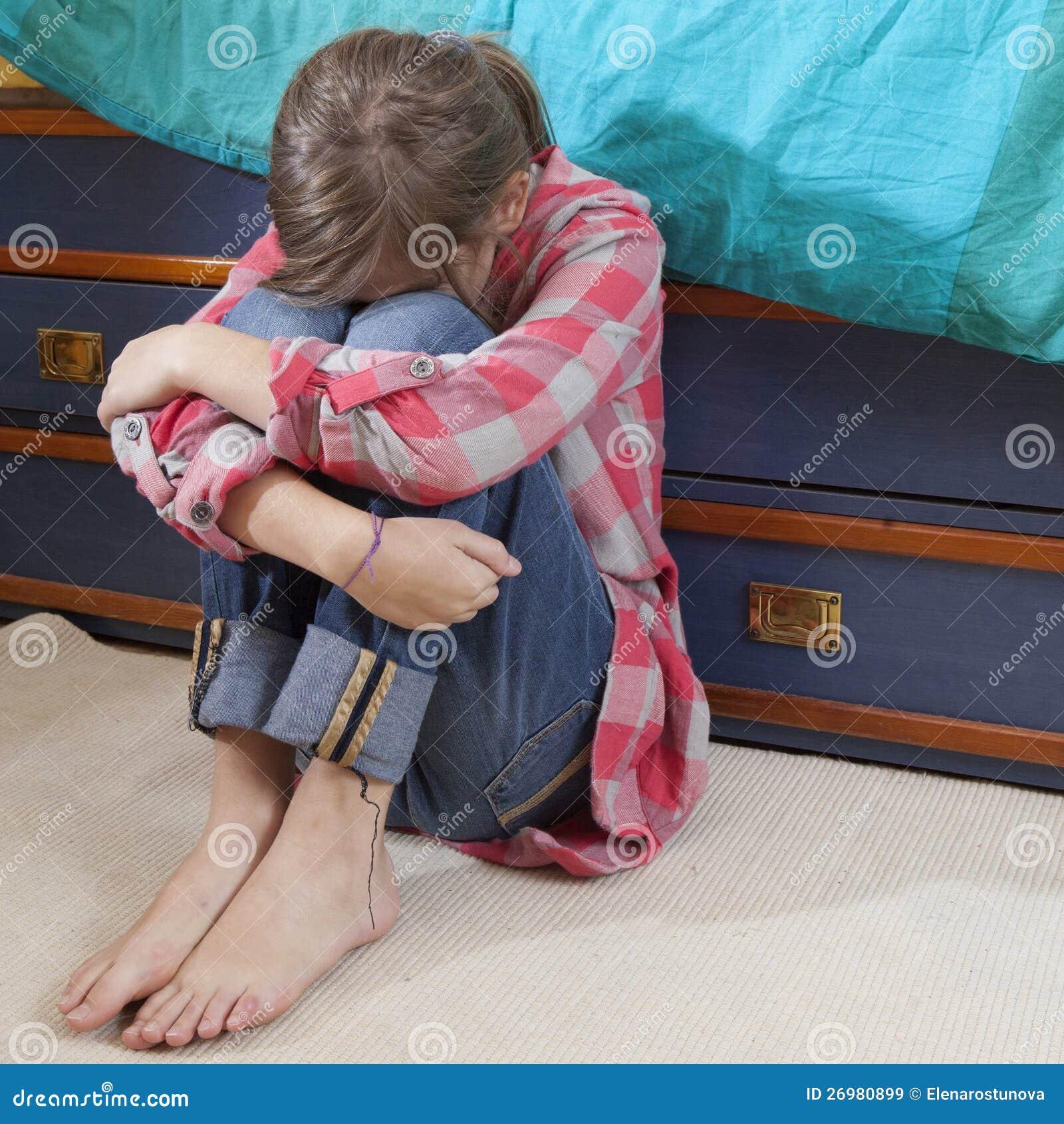Jugendlich Mädchenfrustrationsschreien