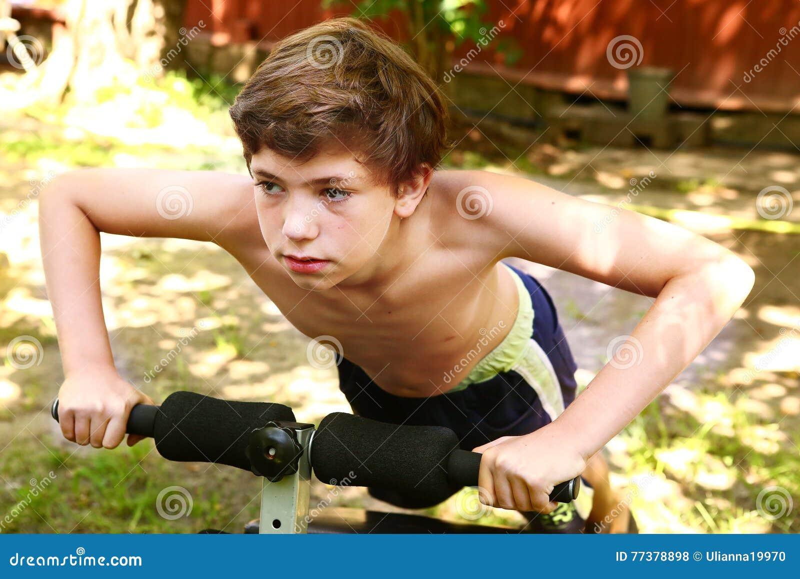 Boobs Preten Nude Boys Pics Scenes