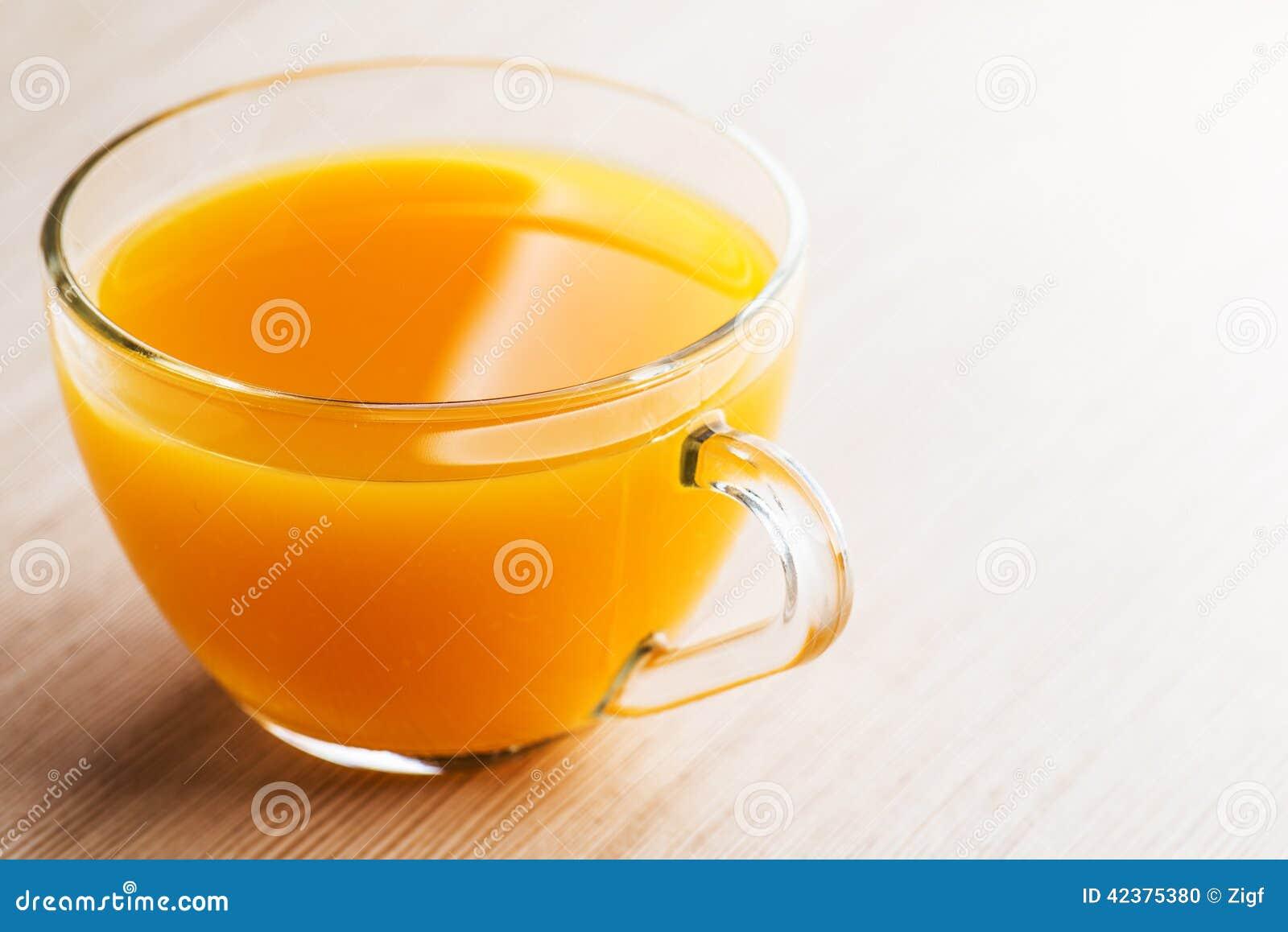 Jugo amarillo naranja foto de archivo imagen de travieso - Amarillo naranja ...