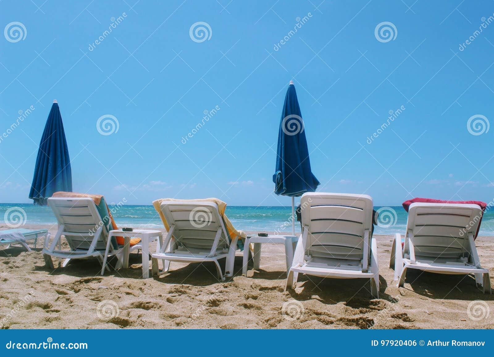 Juillet 2017 - Salons Vides De Cabriolet Sur Cleopatra Beach ...