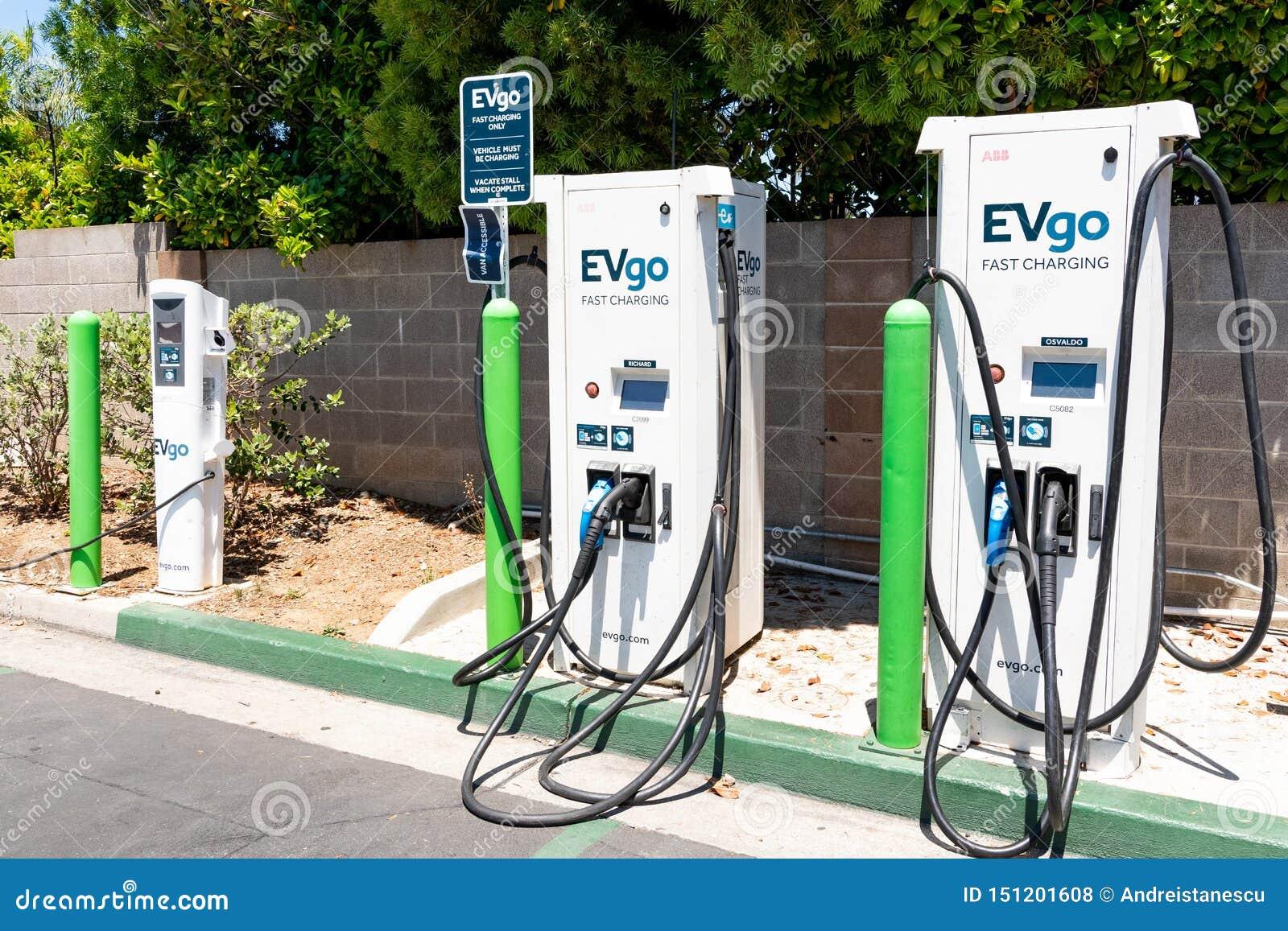 20 juin 2019 Cupertino/CA/Etats-Unis - station de charge d EVgo située dans un parking dans la région de San Francisco Bay du sud