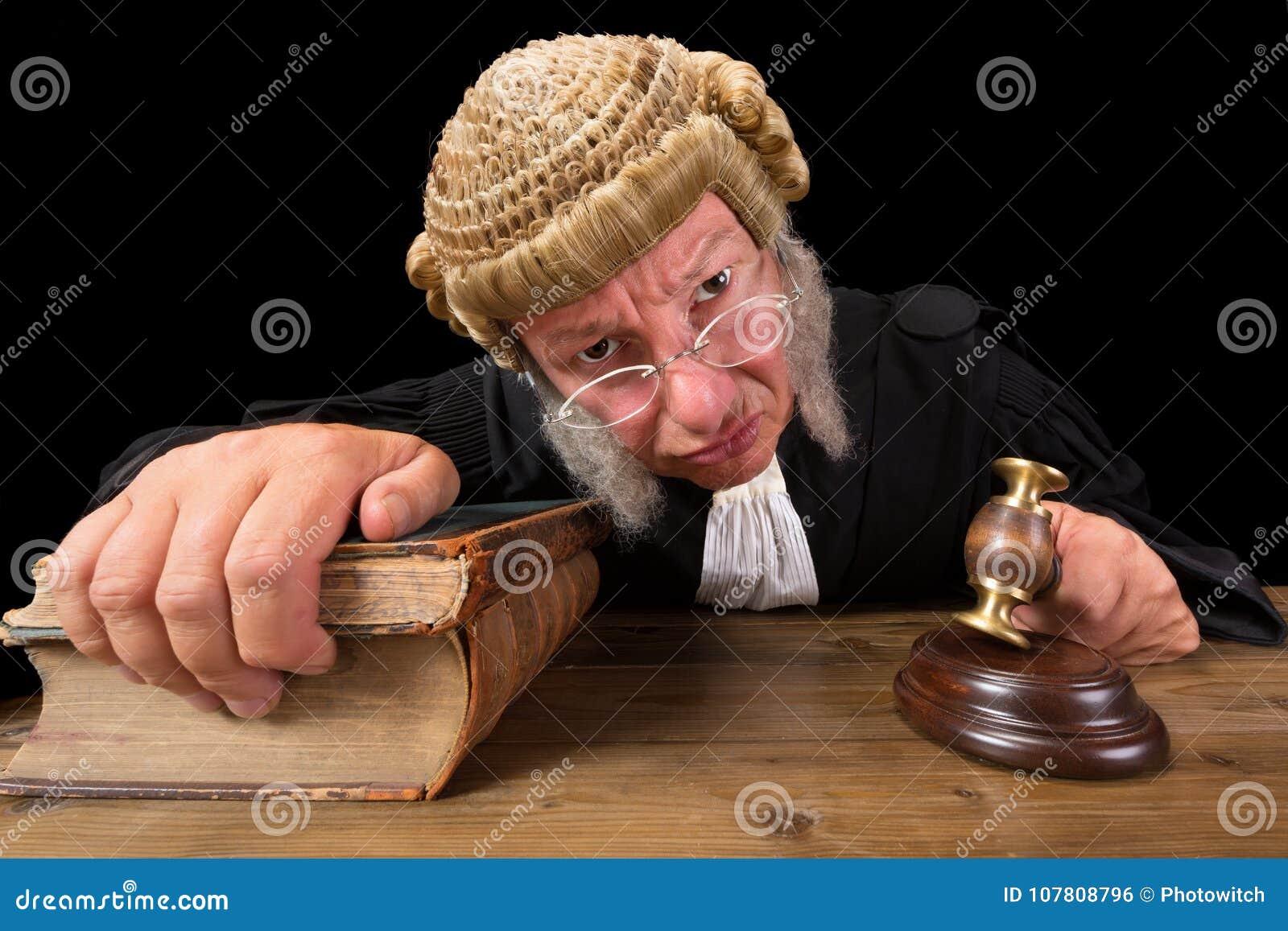Juiz irritado