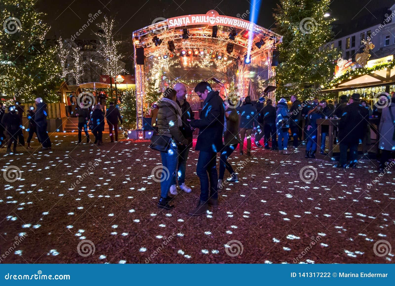 Jul marknadsför i Kiezen, Reeperbahn, Hamburg, Tyskland