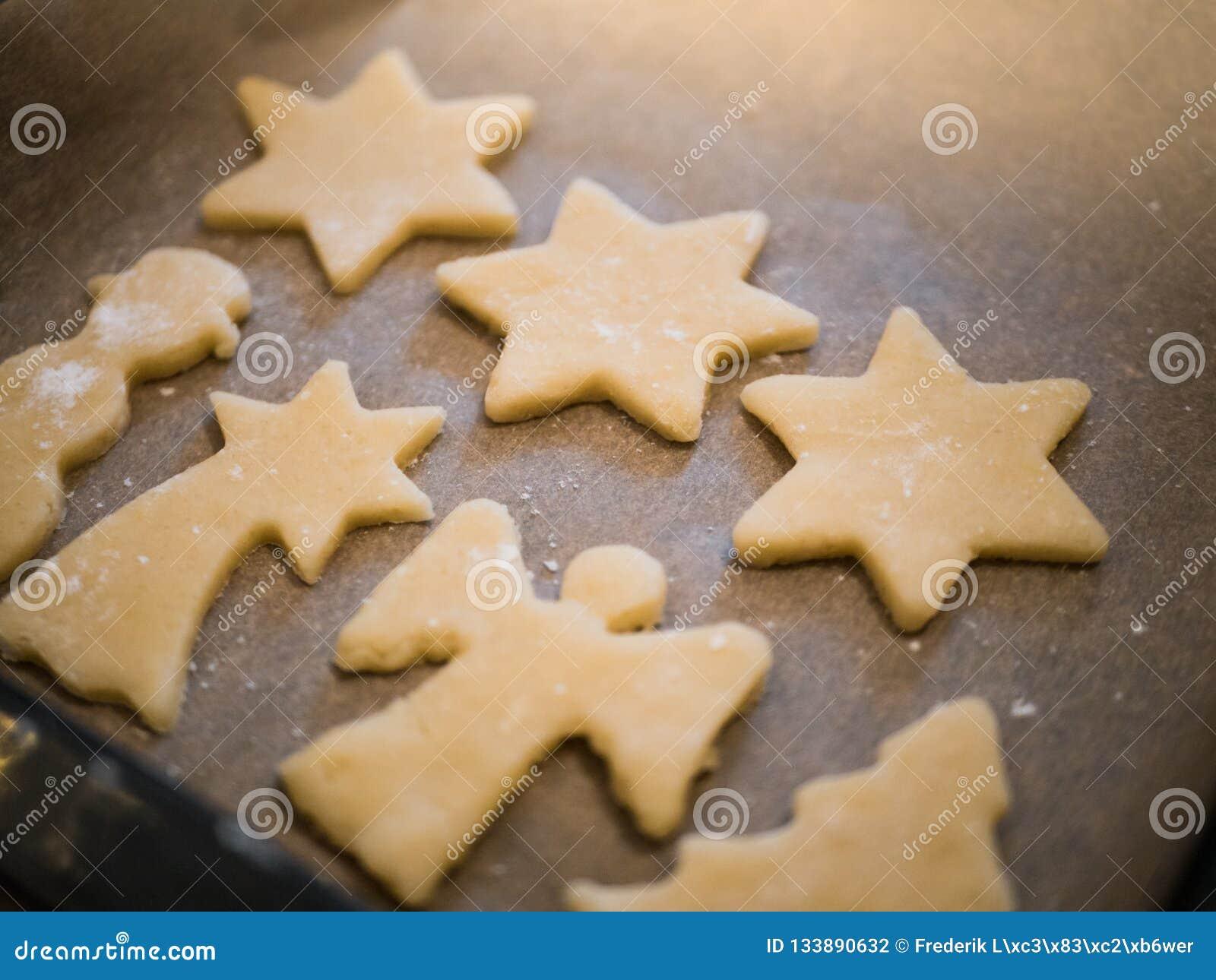 Julbageri: närbild av hemlagade kakor