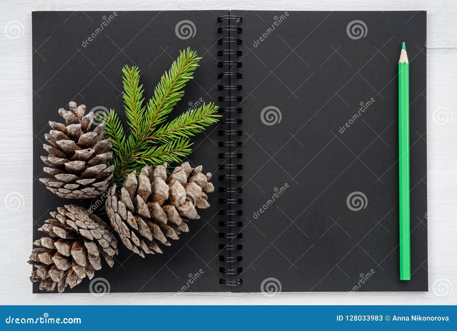 Julbakgrund - anteckningsbok och julpynt