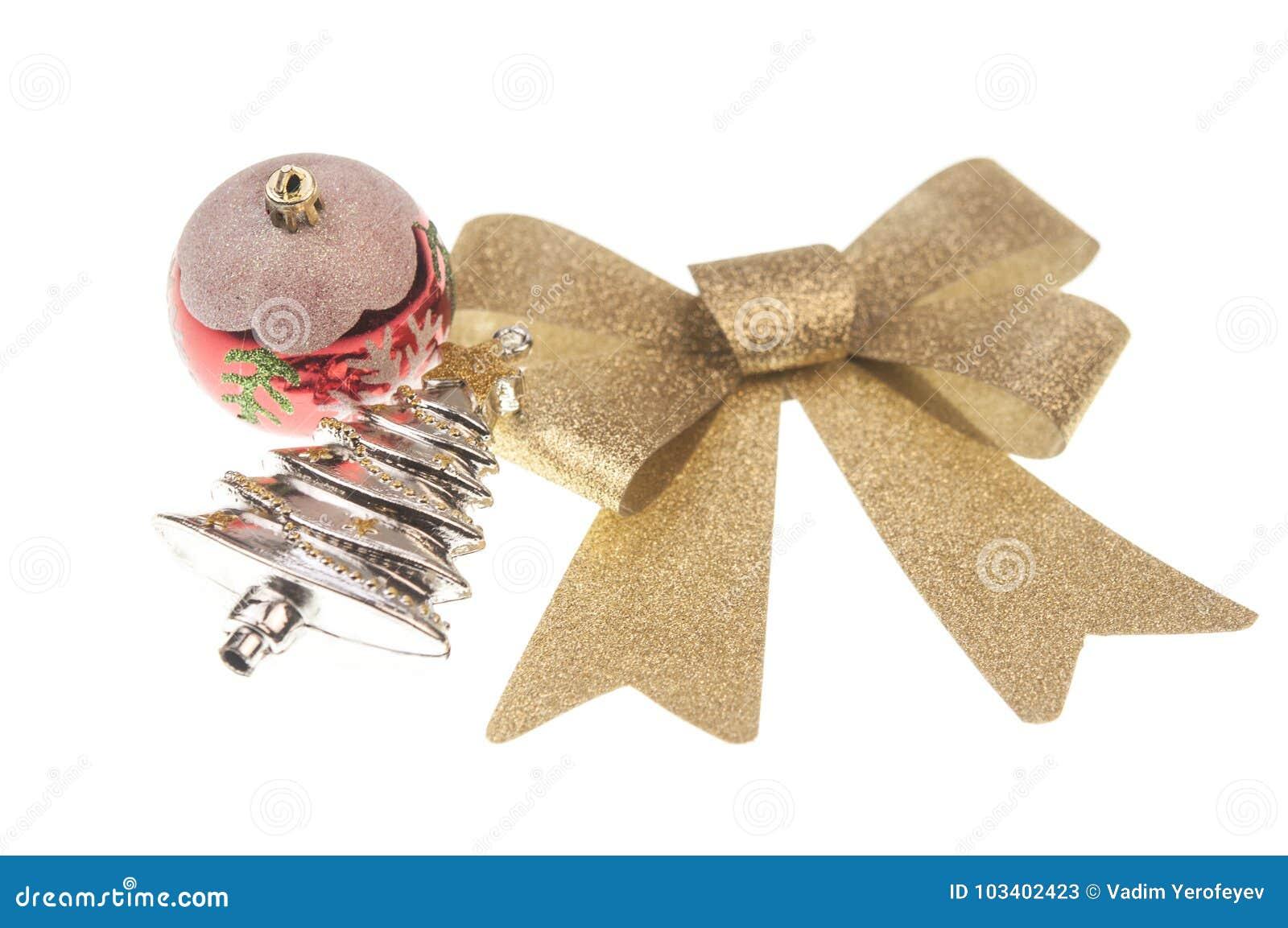 Julbalsl med den guld- bandpilbågen på vit bakgrund