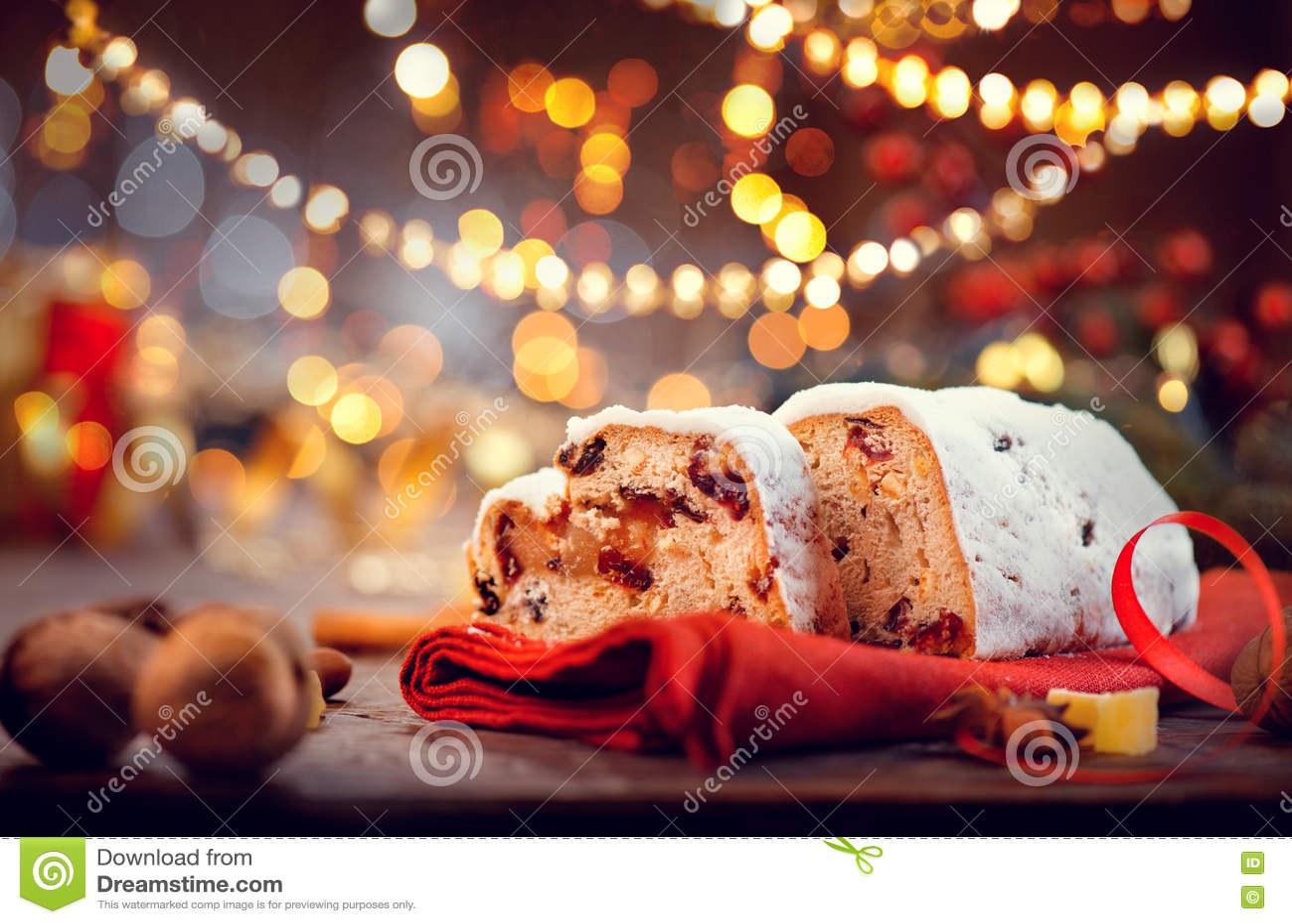 Julen stollen Traditionell söt frukt släntrar