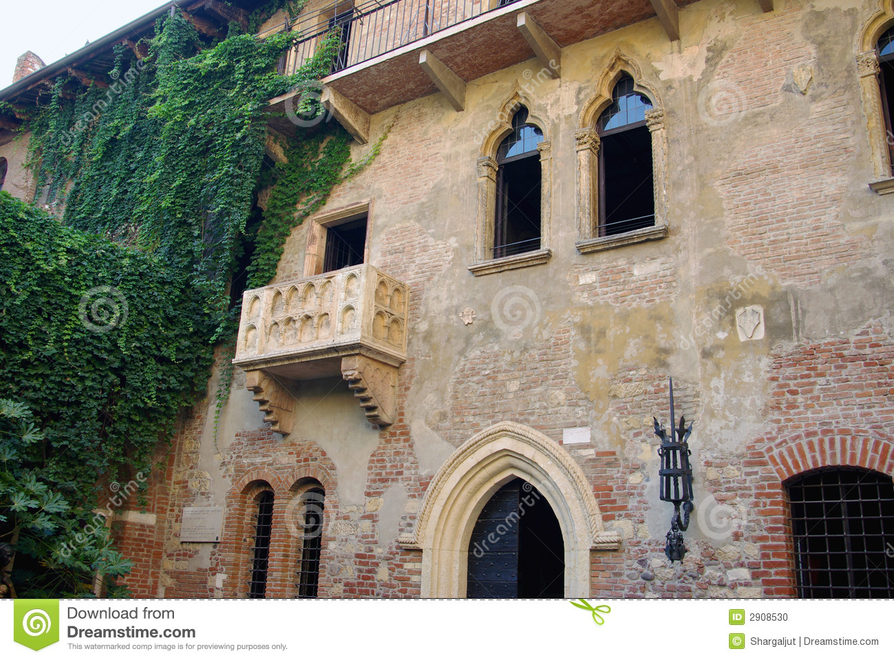 Juliet 39 s house verona italy stock photo image of for What is a shouse house