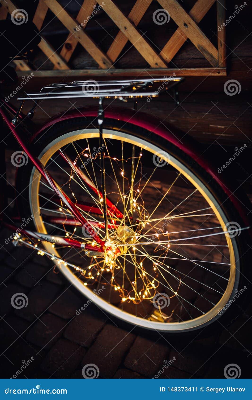 Julljus p? cykelbakgrundstextur i stad