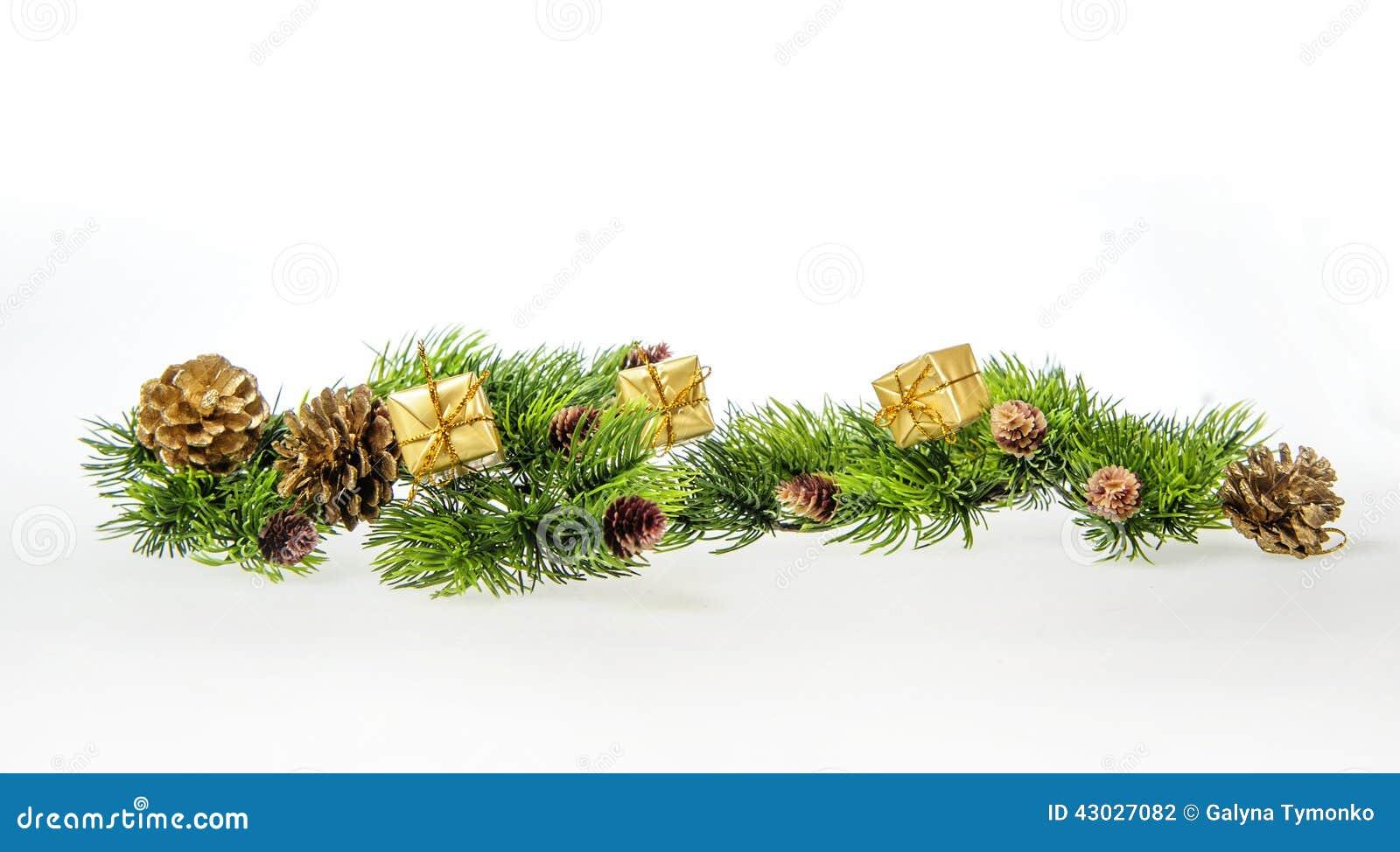 Julsammansättning av trädfilialer och gåvor