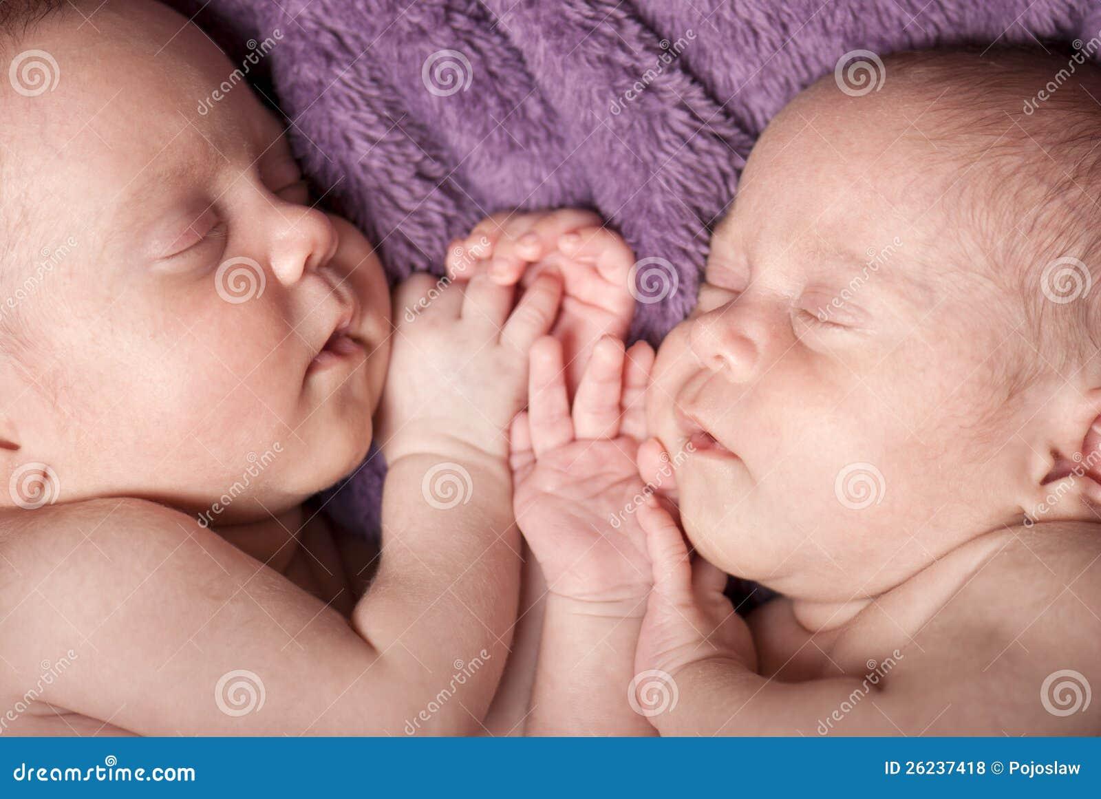 Jumeaux nouveau-nés