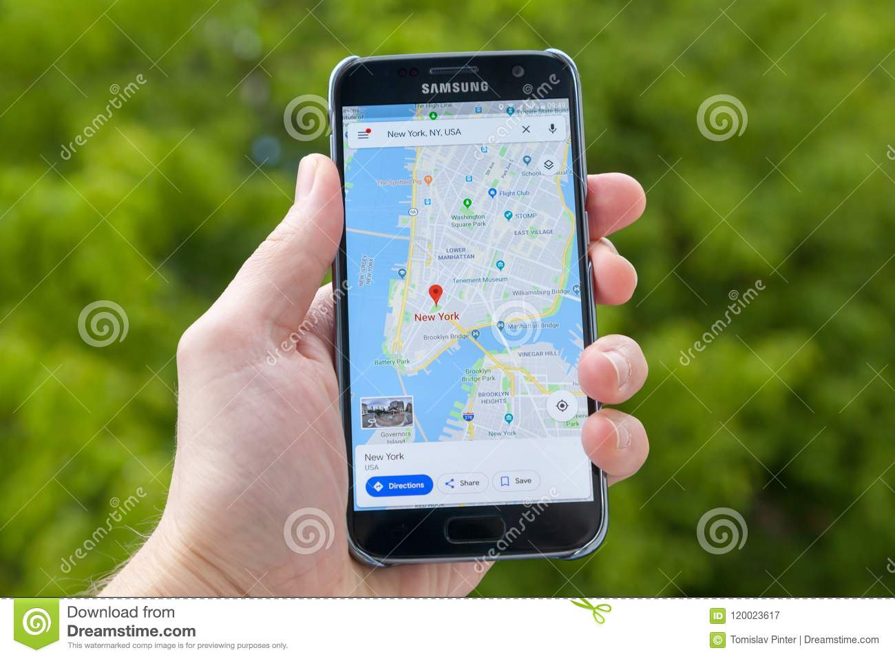 Google Maps editorial photography  Image of smartphone - 120023617