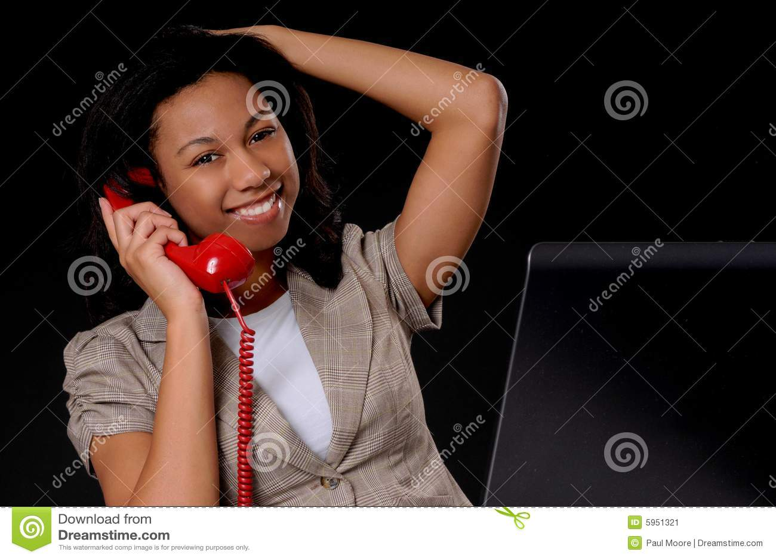 Junge Afroamerikaner-Geschäftsfrau