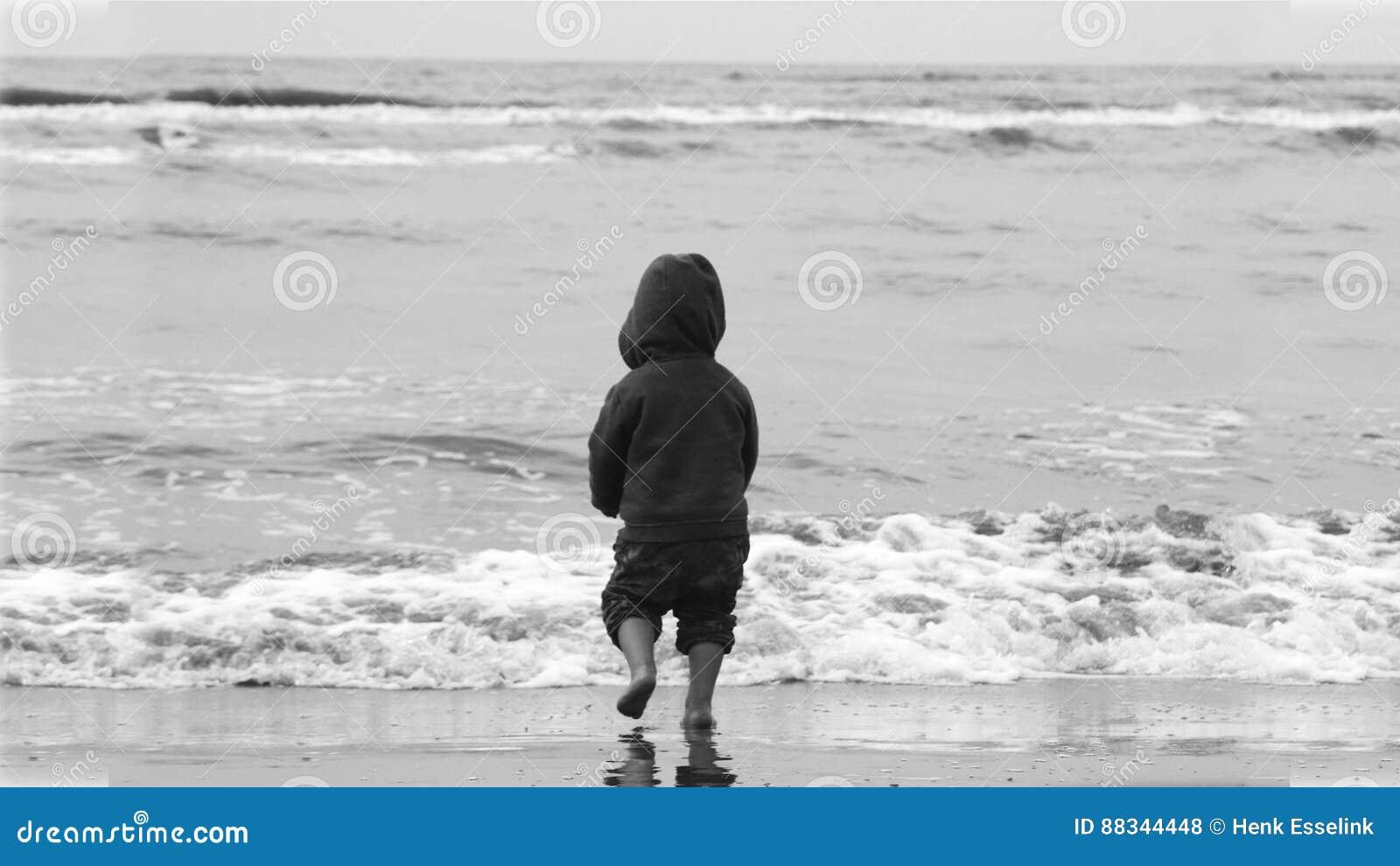 Junge auf Strand