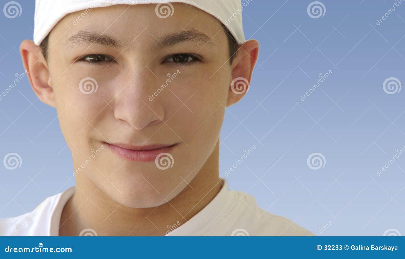 Download Junge in einem weißen Hut stockbild. Bild von raum, jugendlicher - 32233