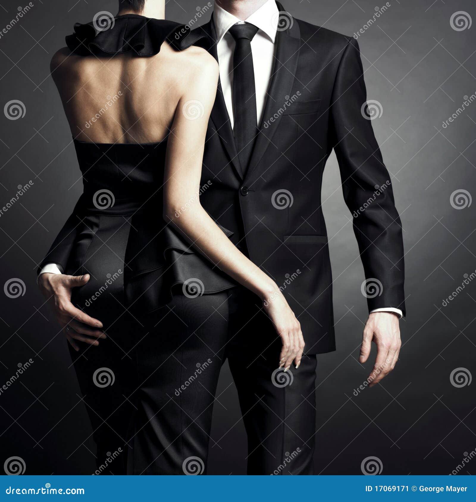 Junge elegante Paare