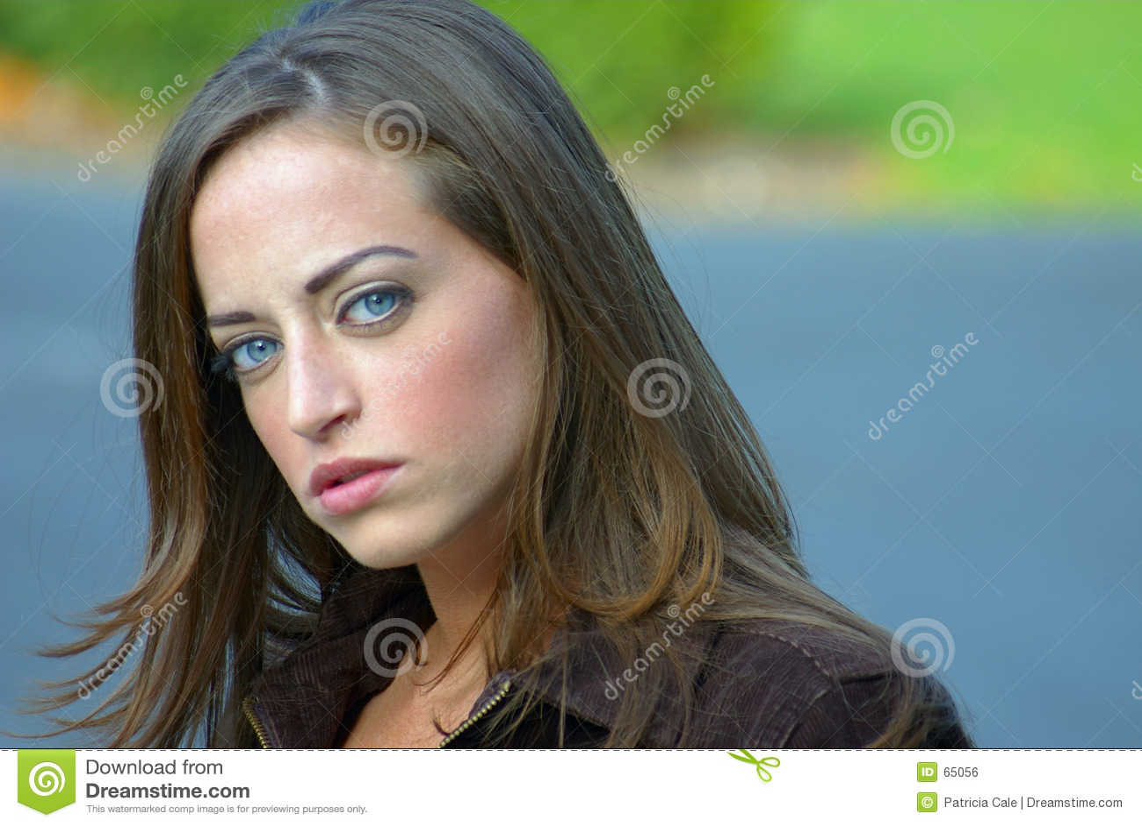 Junge Frau 12
