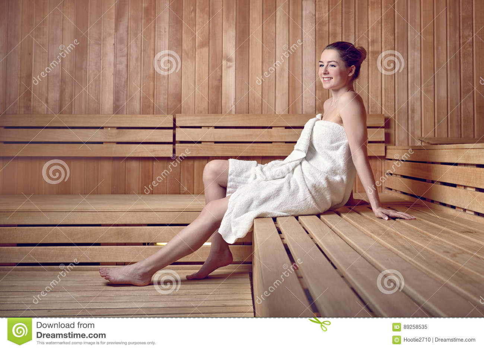 Junge Frau In Der Sauna Stockbild Bild Von Immun Gesund 89258535